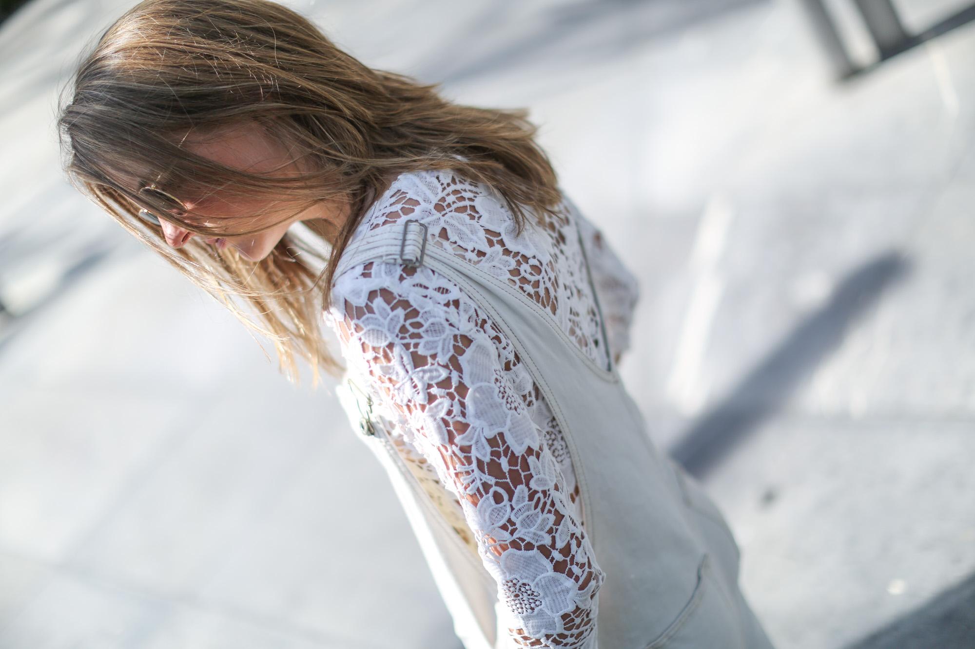Clochet-streetstyle-mango-white-jumpsuit-grey-adidas-gazelle-10