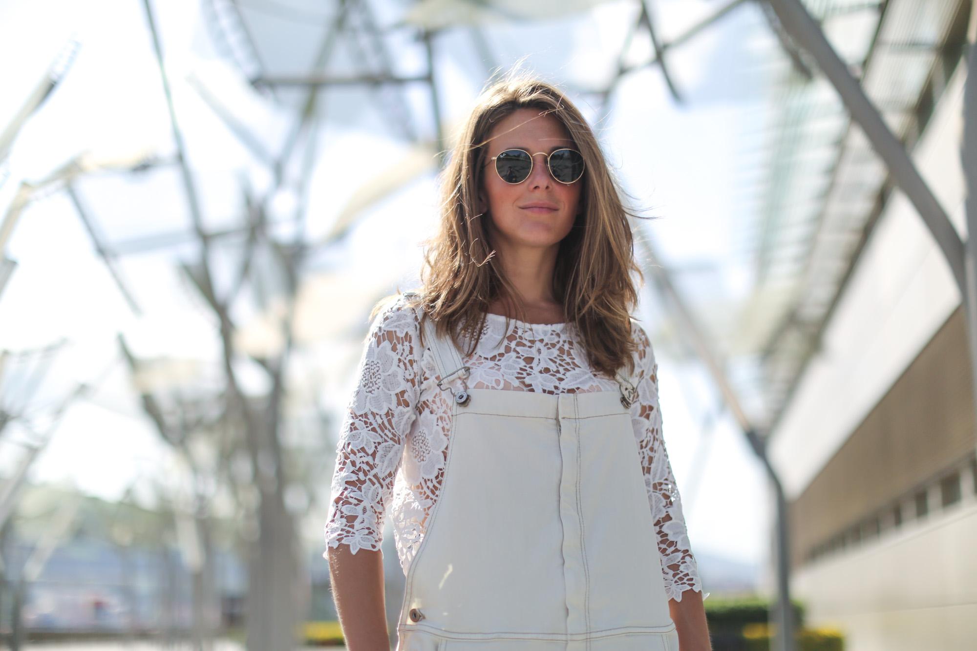 Clochet-streetstyle-mango-white-jumpsuit-grey-adidas-gazelle-5