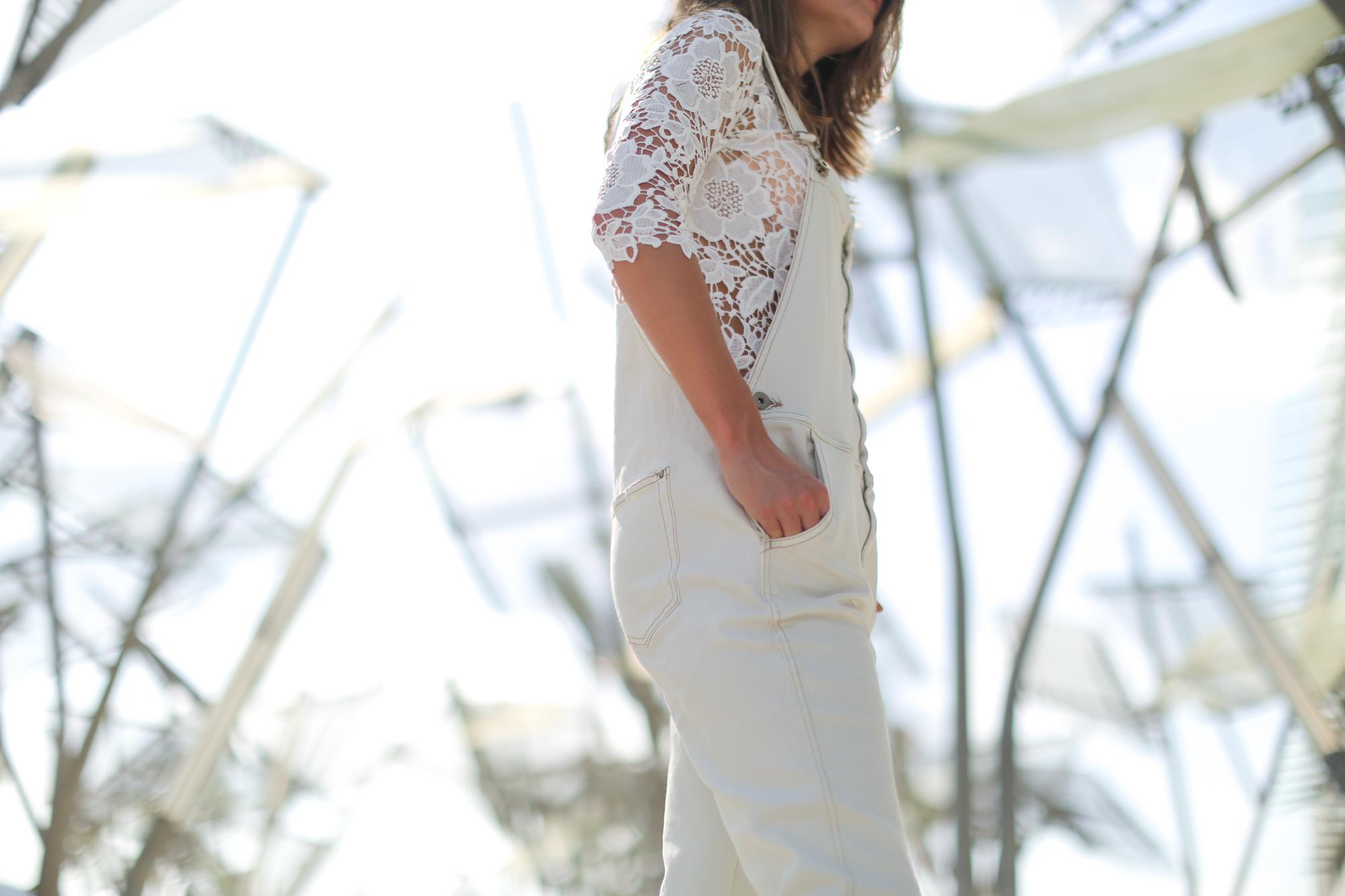 Clochet-streetstyle-mango-white-jumpsuit-grey-adidas-gazelle-8