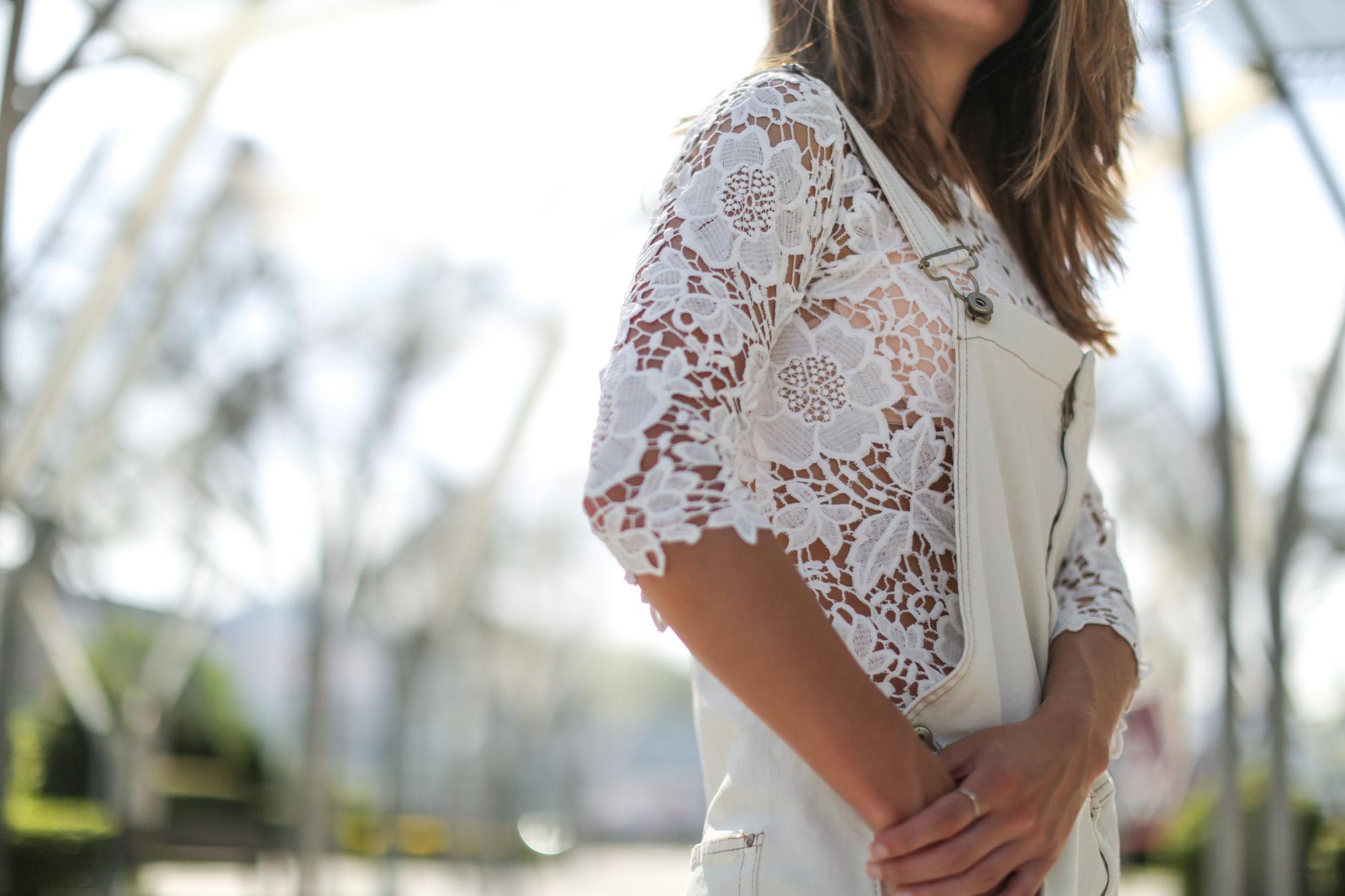 Clochet-streetstyle-mango-white-jumpsuit-grey-adidas-gazelle-9