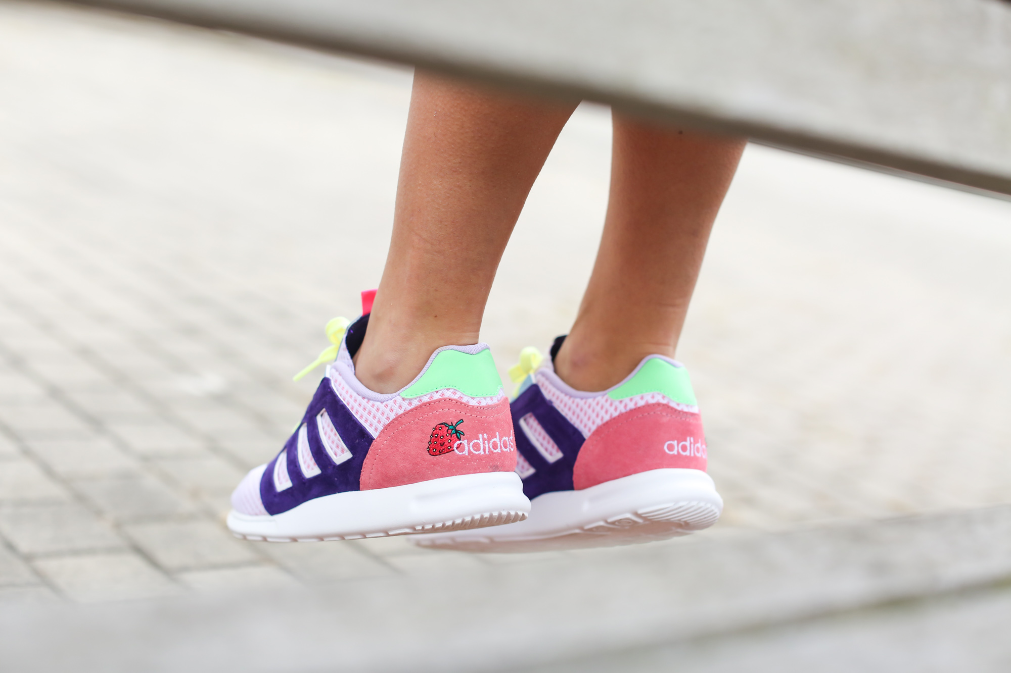Clochet-streetstyle-strawberry-daiquiri-adidas-ZX-500-2.0-W-Cocktail-Sneaker-Boutique-Pack-leztin-street-6