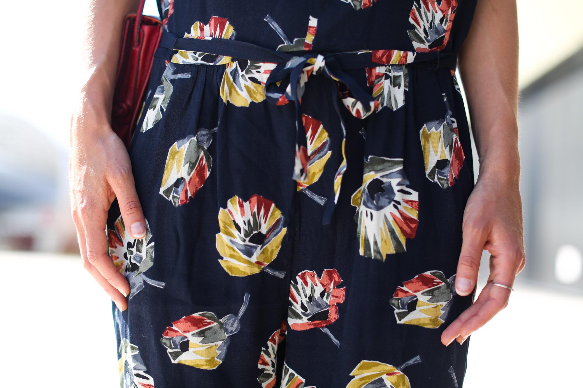 Clochet-streetstyle-vagabond-sliders-zara-flowers-jumpsuit-11