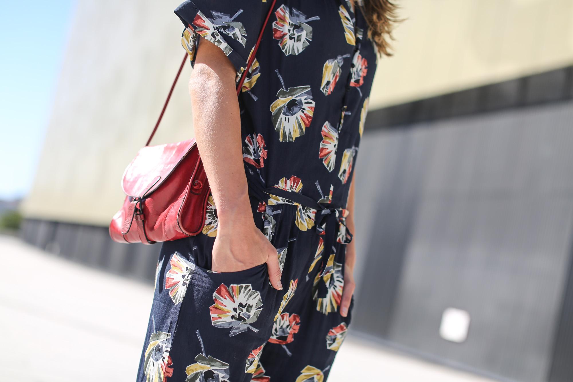 Clochet-streetstyle-vagabond-sliders-zara-flowers-jumpsuit-2