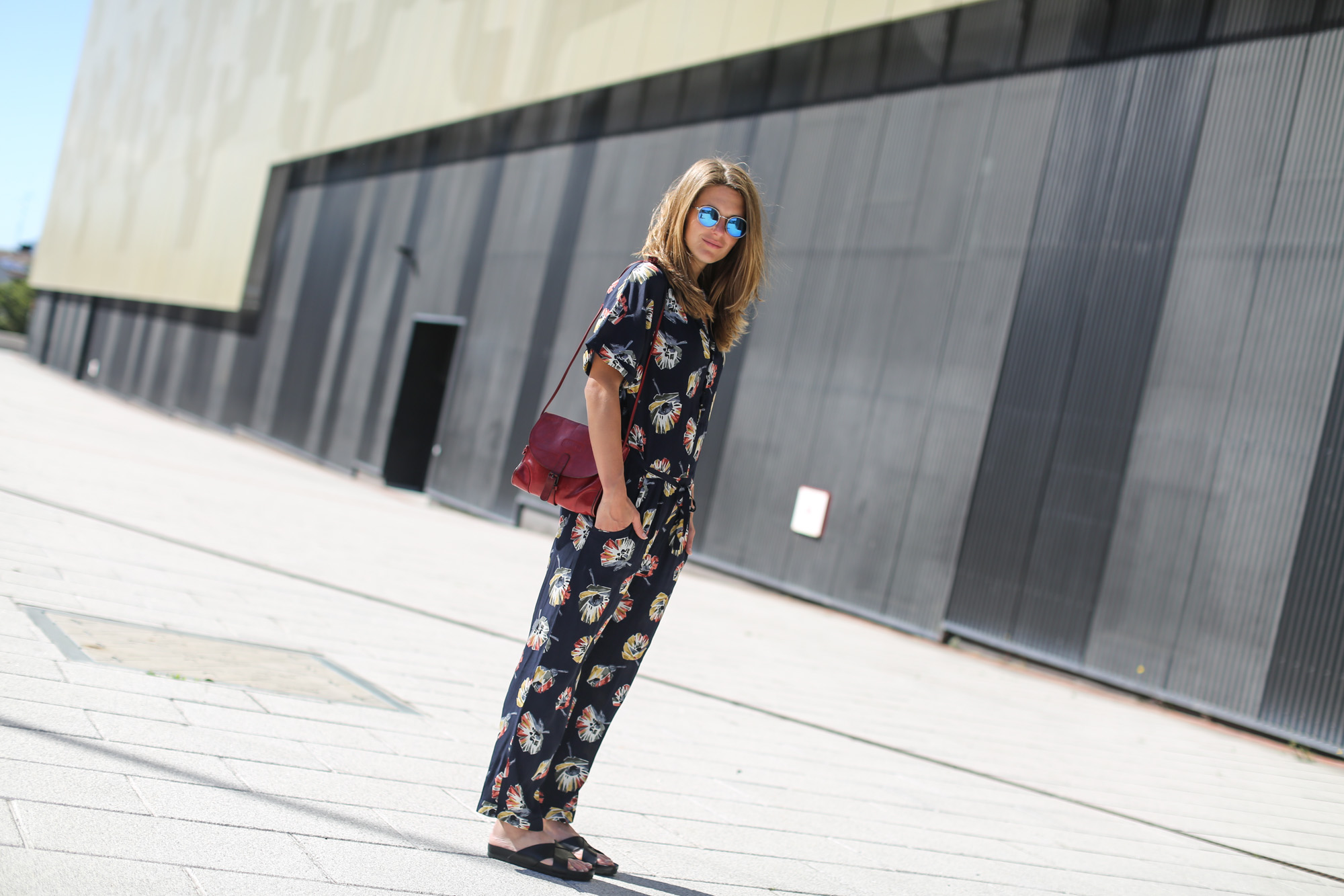 Clochet-streetstyle-vagabond-sliders-zara-flowers-jumpsuit-6