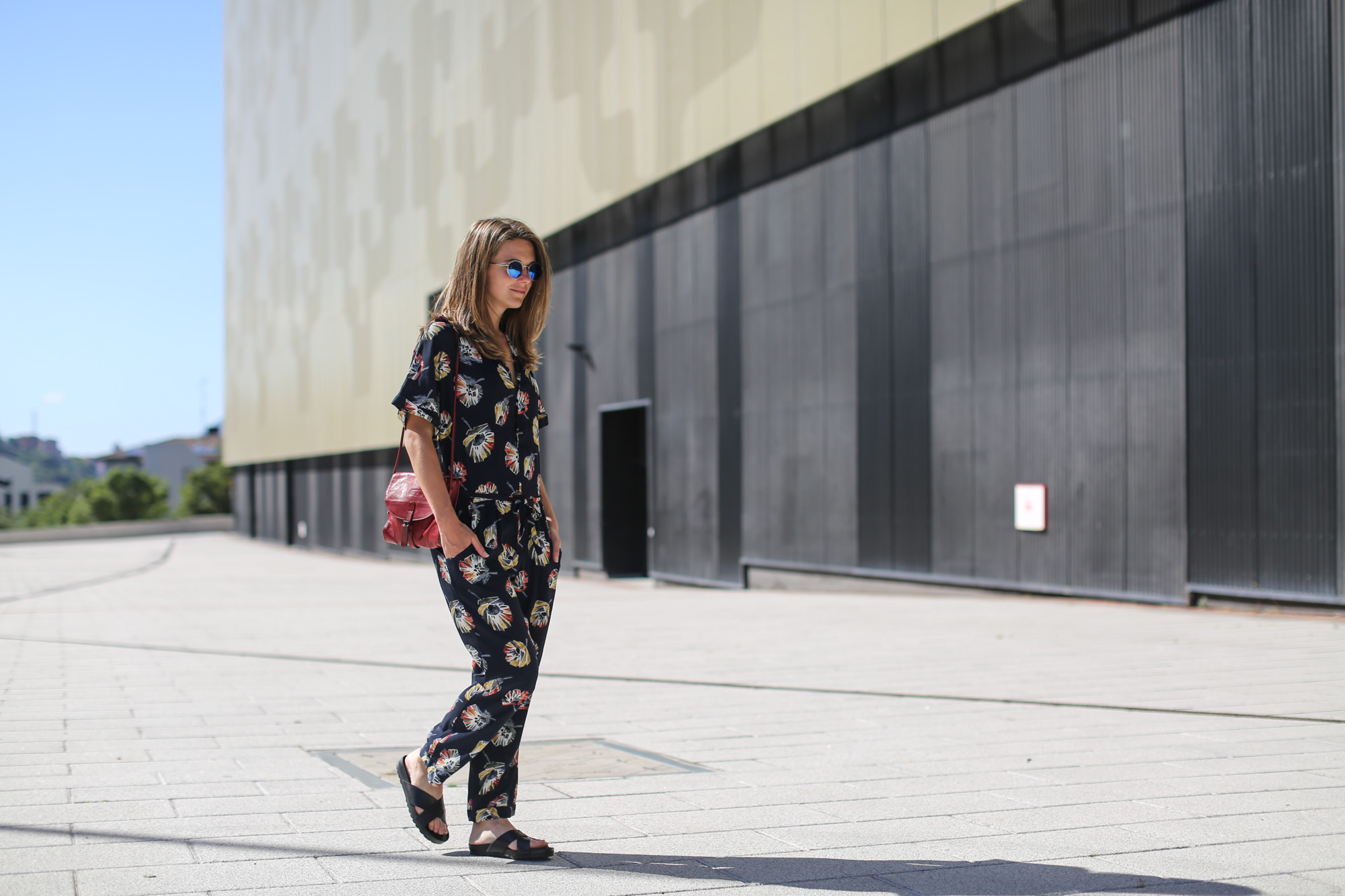 Clochet-streetstyle-vagabond-sliders-zara-flowers-jumpsuit-7