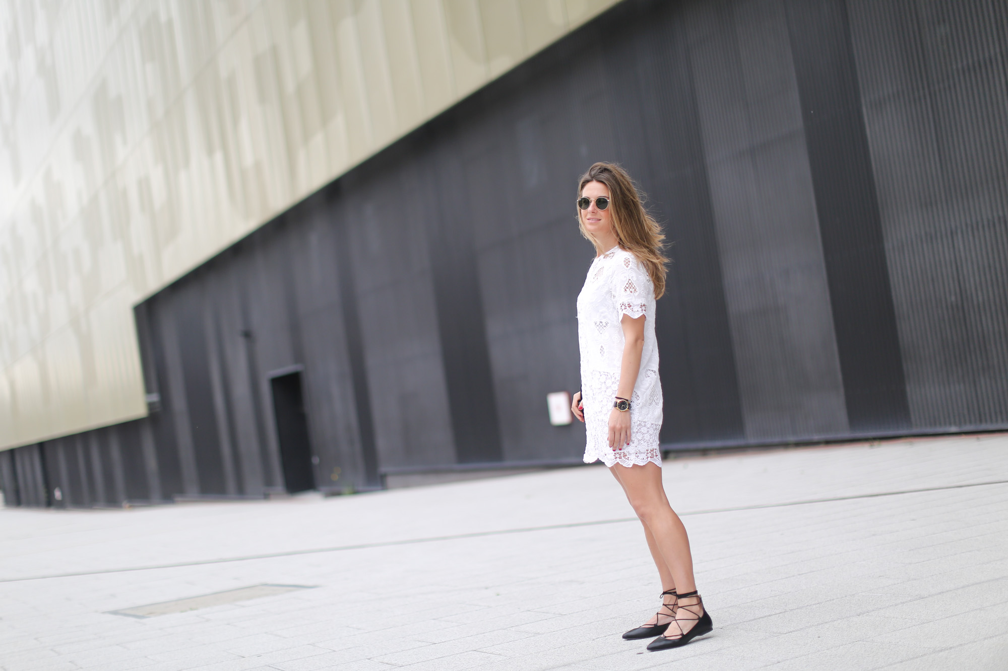 Clochet-streetstyle-zara-chloe-dress-lace-up-flat-shoes-3