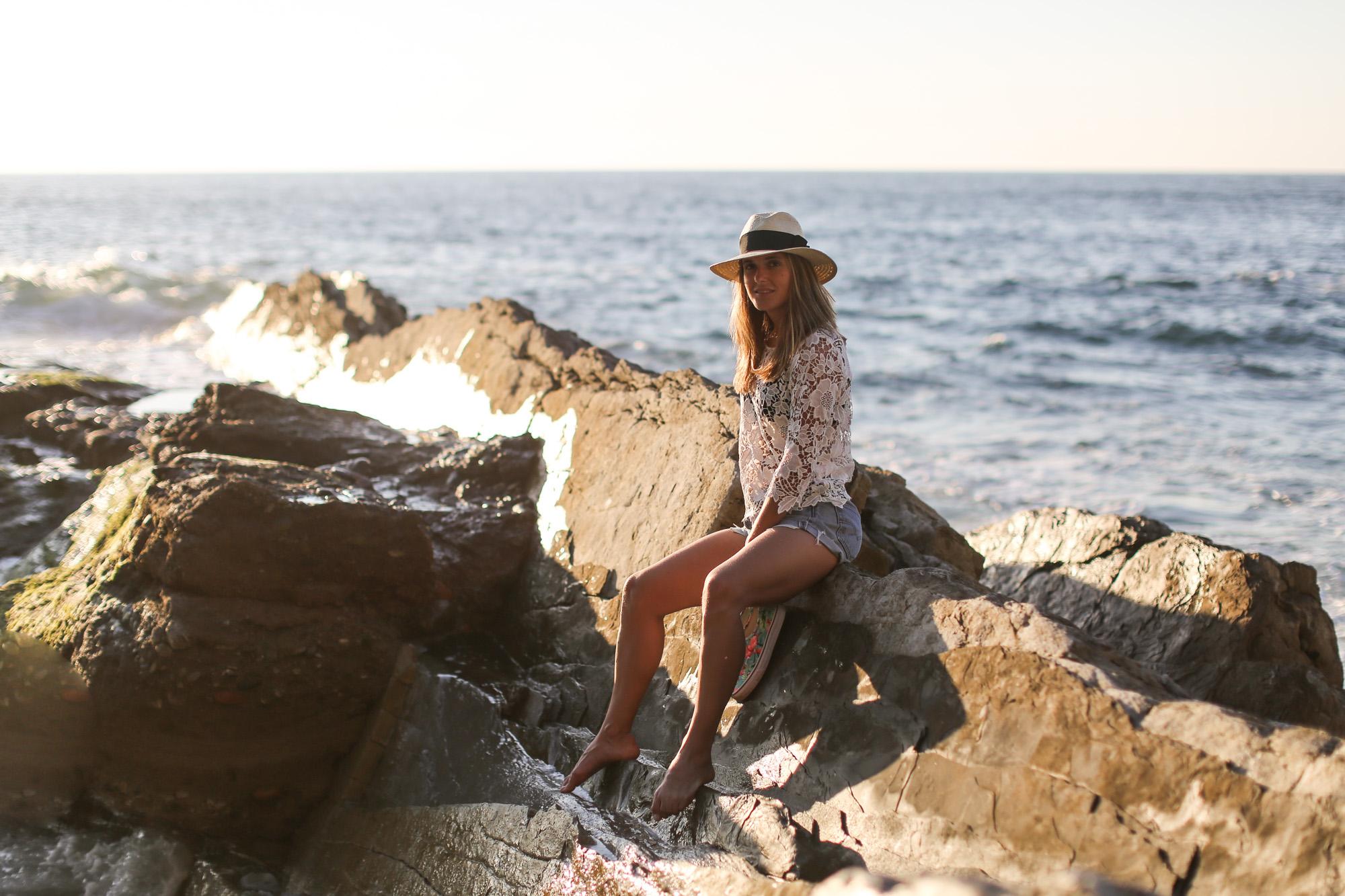 Clochet-streetstyle-vintage-levis501-crochet-top-fedora-straw-hat-3