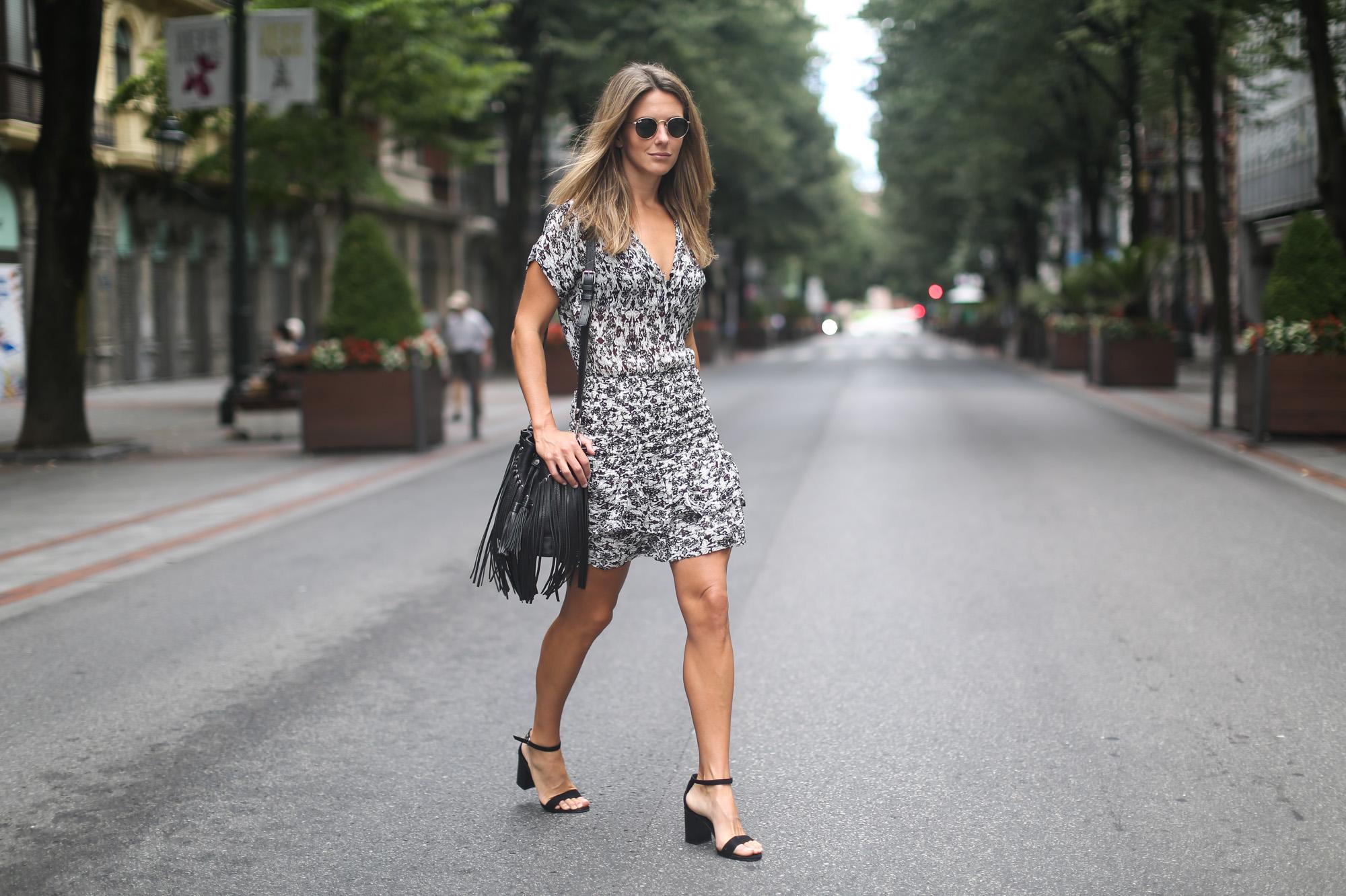 Clochet_maje_dress_sandro_fringed_leather_bag-10