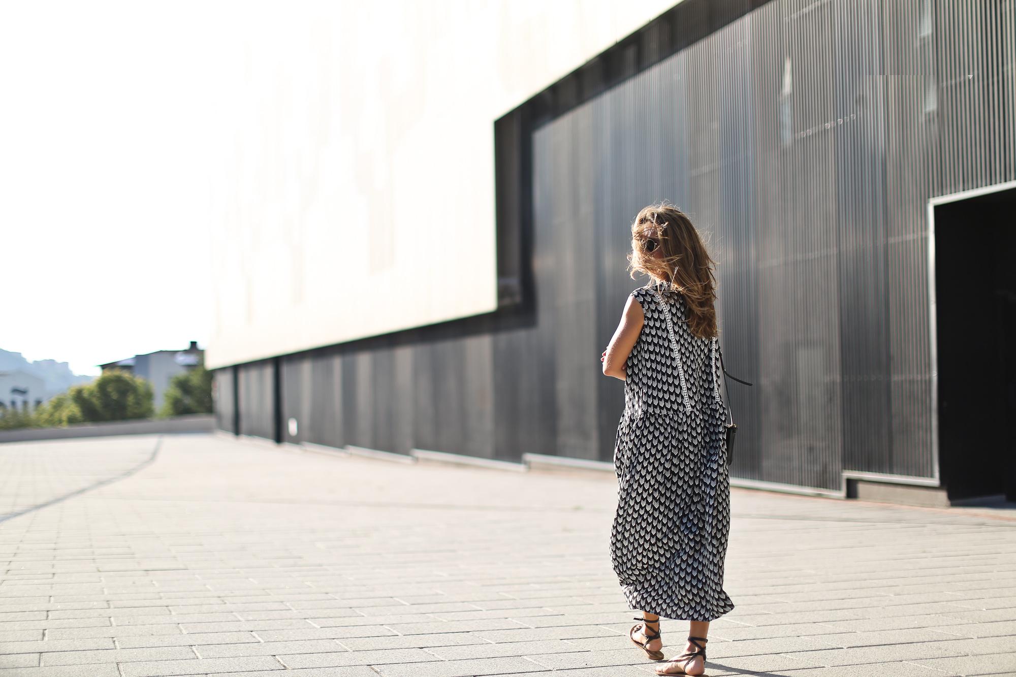 Clochet_streetstyle_chicwish_midi_printed_summer_dress-5