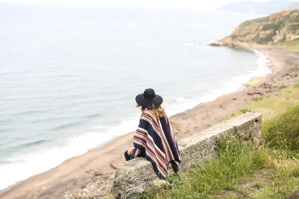 La Mericaine wool poncho
