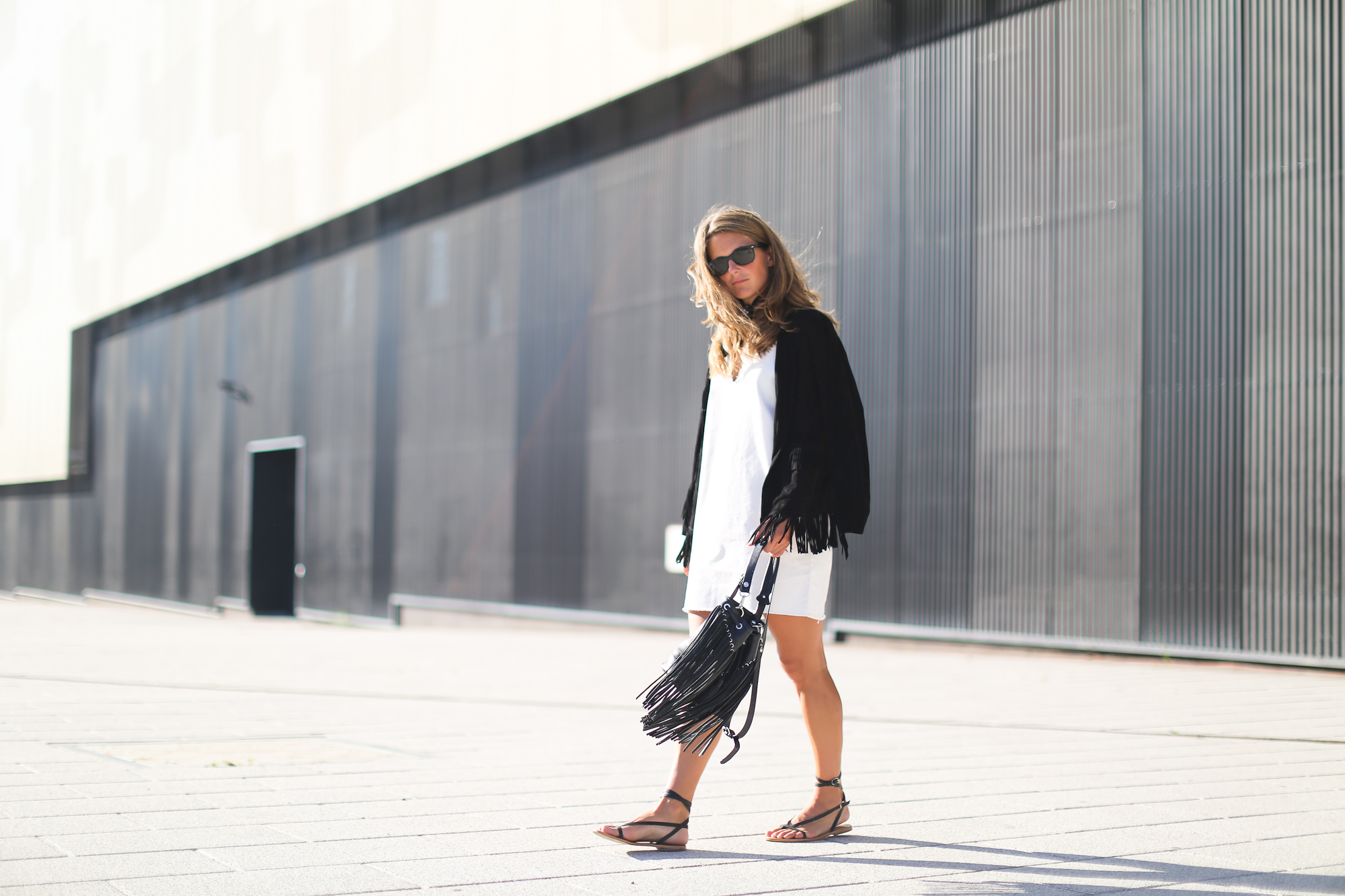 Clochet_streetstyle_sandro_anik_bag_artimisia_roman_leather_Sandals-2