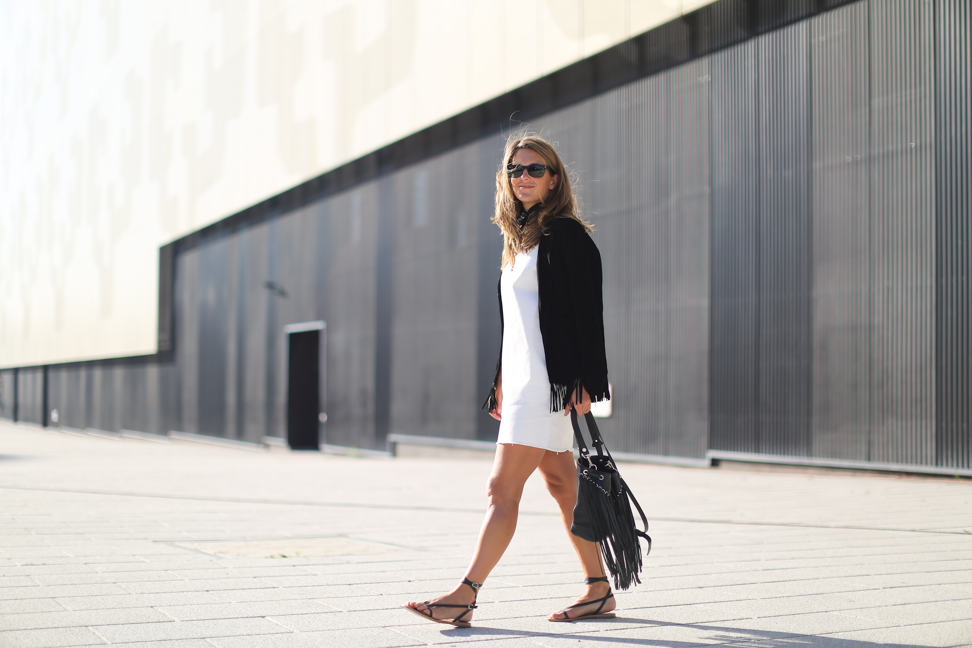 Clochet_streetstyle_sandro_anik_bag_artimisia_roman_leather_Sandals-4
