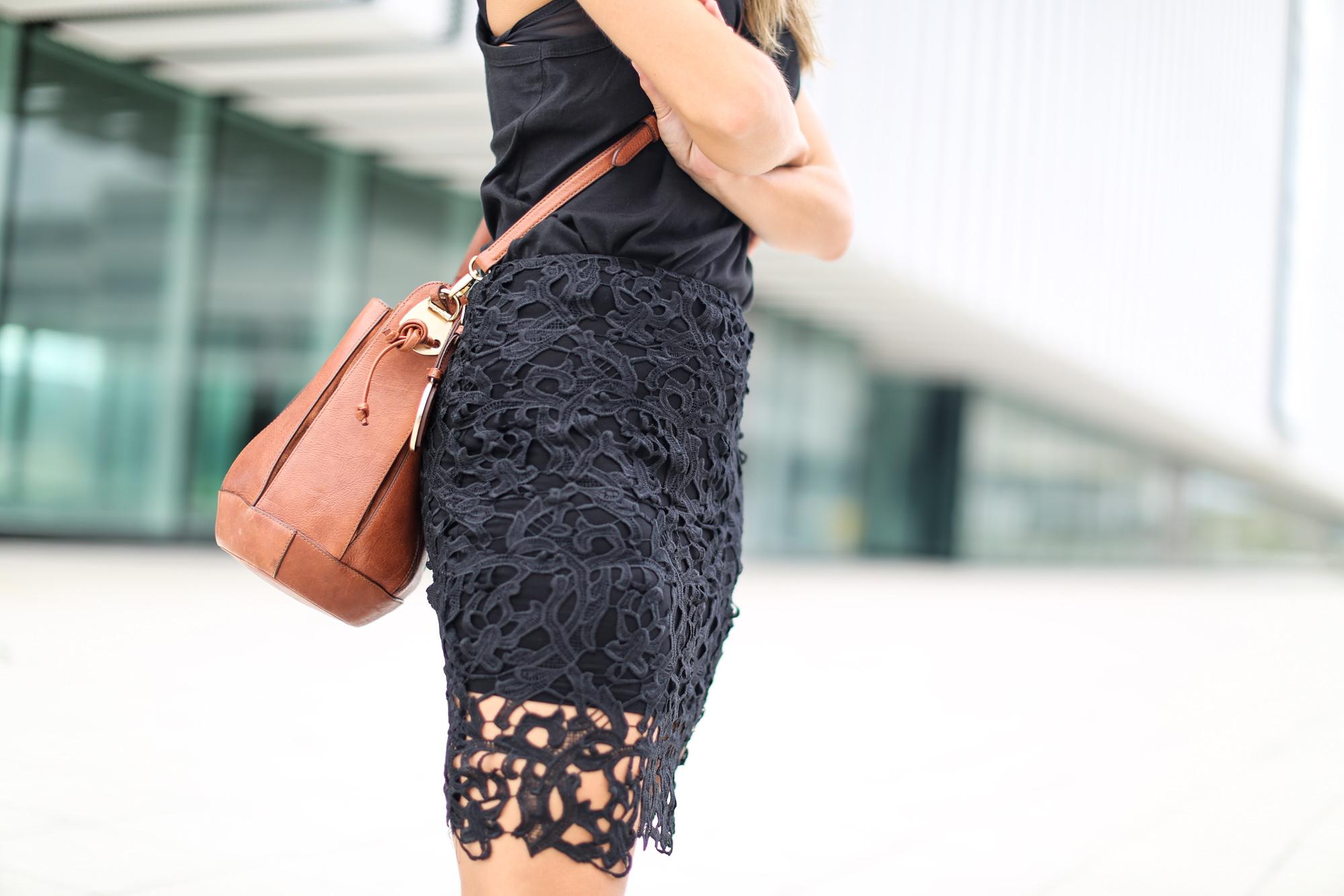 Clochet_chicwish_lace_skirt_artemisia_spartan_flat_sandals-4