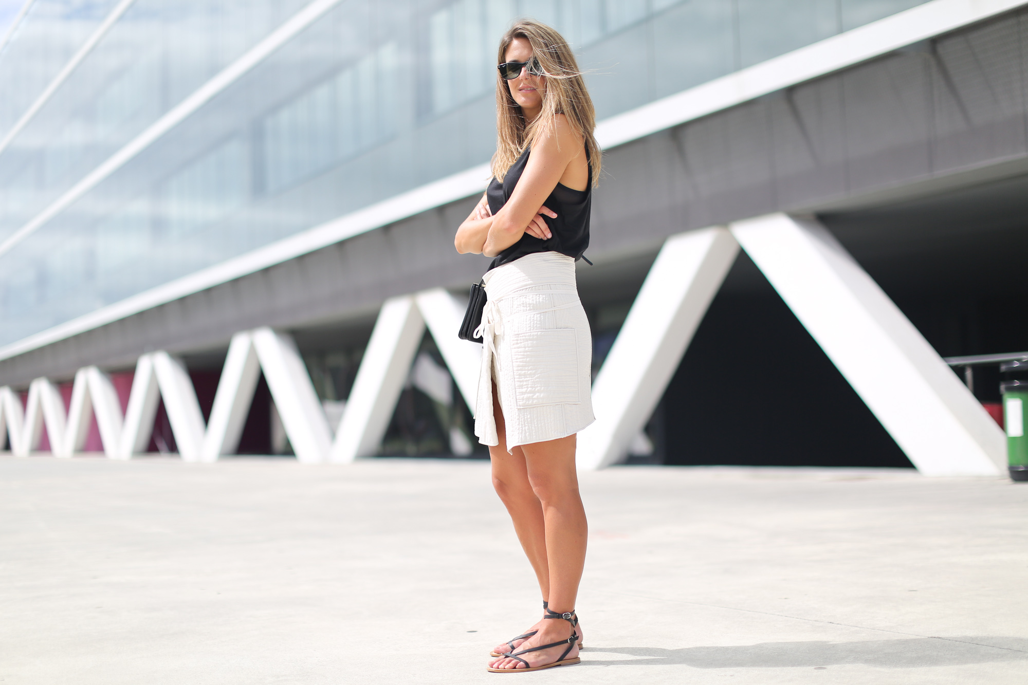 Clochet_isabel_marant_wrap_skirt_artemisia_roman_flat_sandals_celine_trio_bag