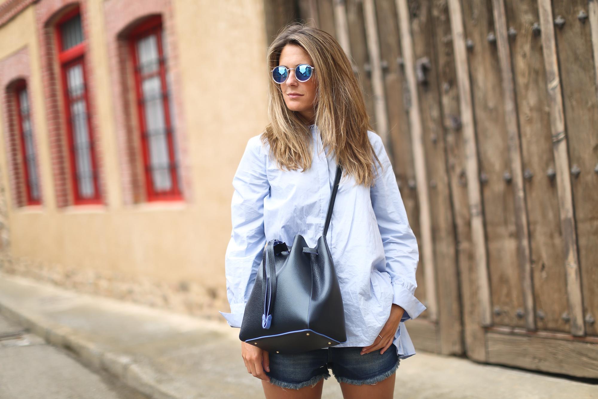 Clochet_purificacion_garcia_bucket_leather_bag_suede_espadrilles-6