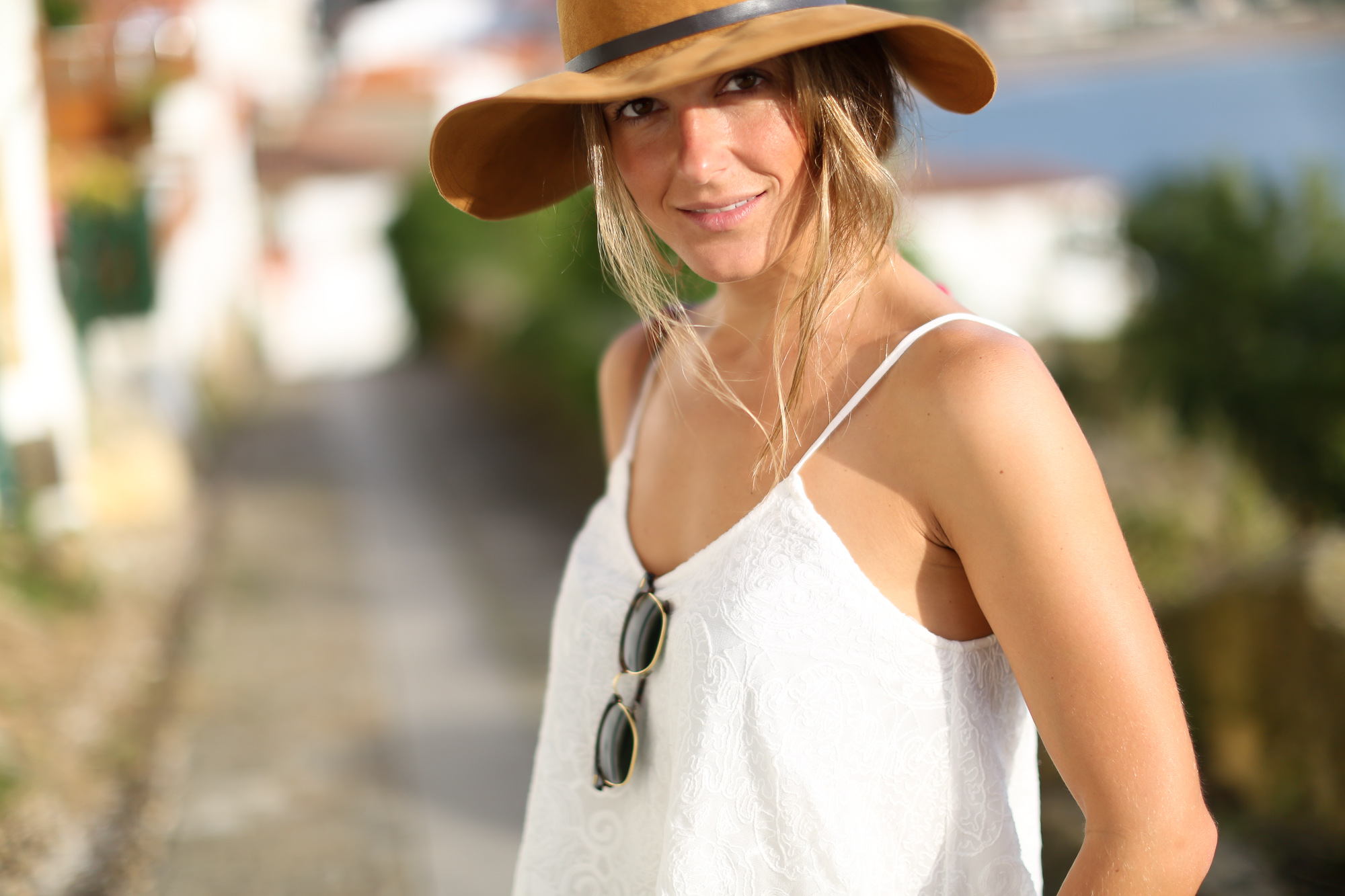 Clochet_streetstyle_levis_501_vintage_shorts_leather_fedora_hat-4