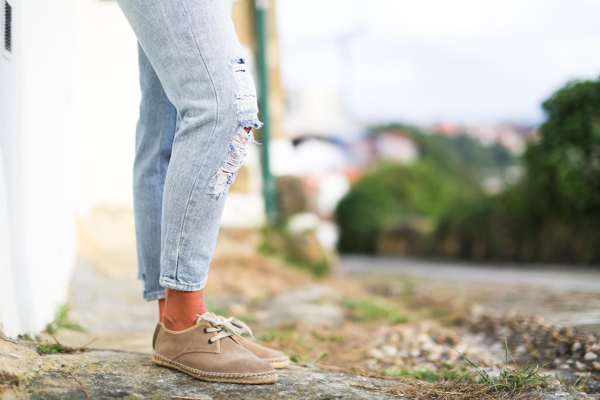 Clochet_streetstyle_suiteblanco_boyfriend_jeans_bandana_scarf_mg_linen_bag-6