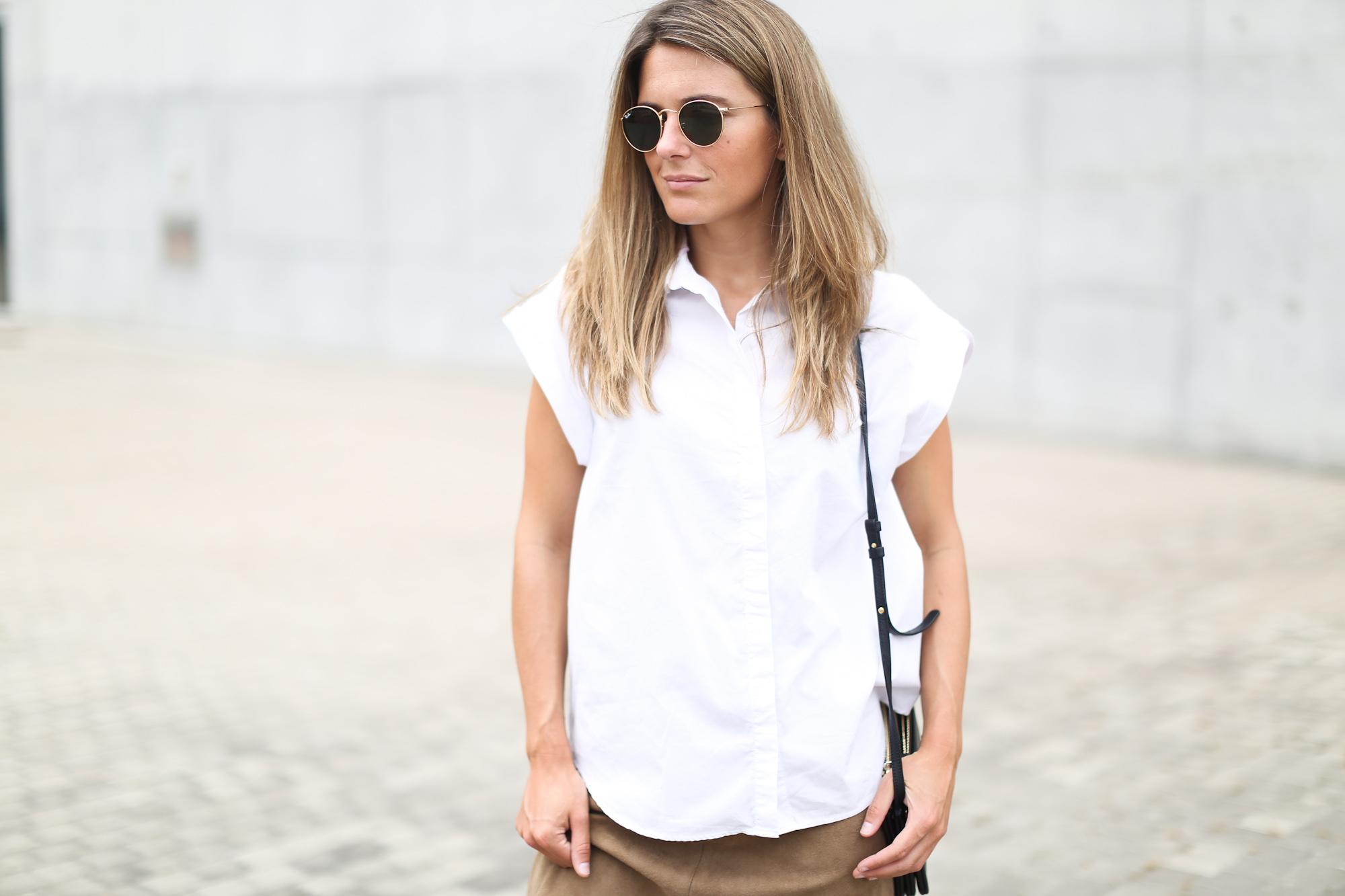Clochet_suede_skirt_white_shirt_adidas_stan_smith_leztinstreet_celine_trio_bag-6