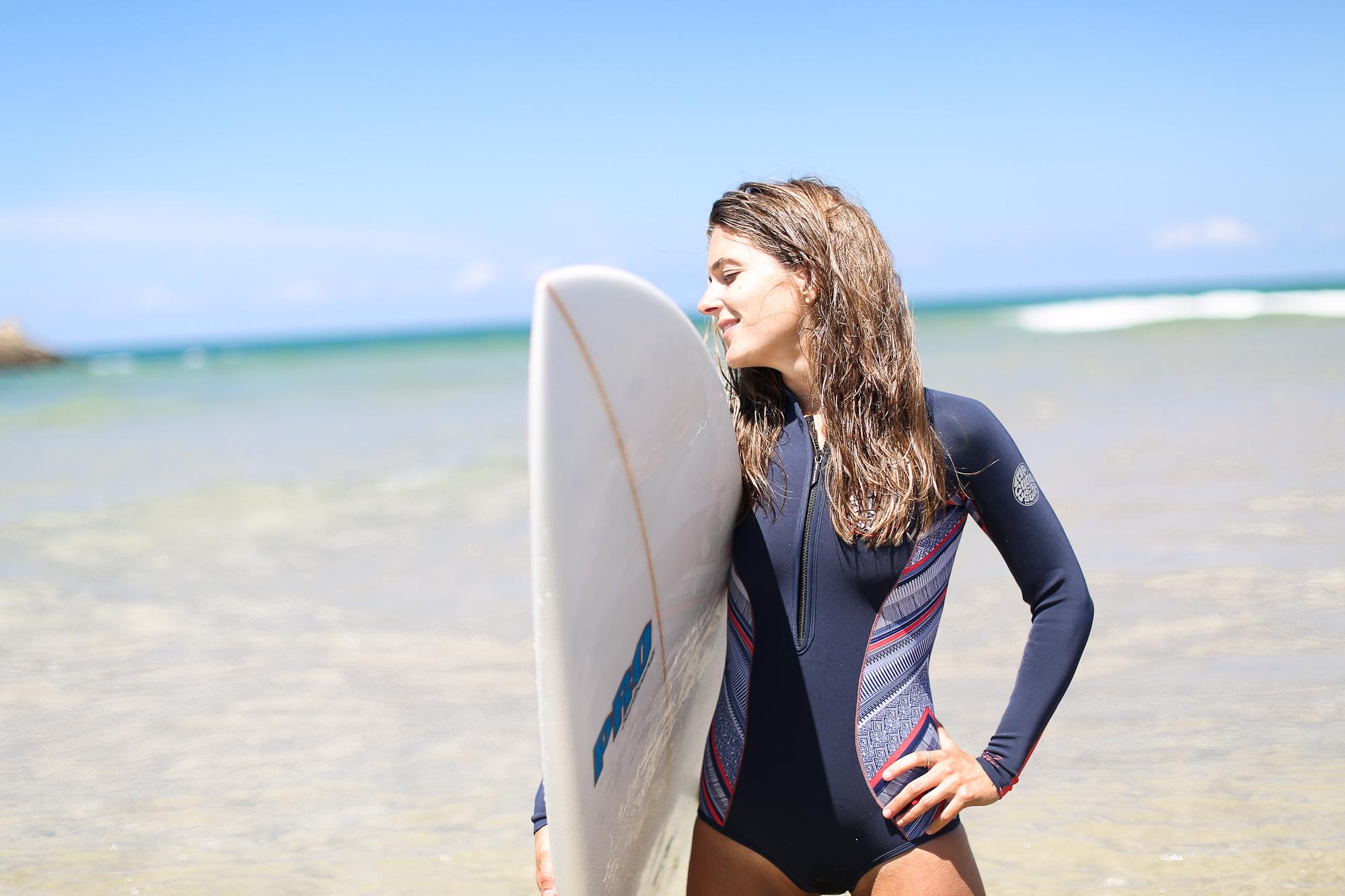 Clochet_surf_rip_curl_bombshell_wetsuit_3
