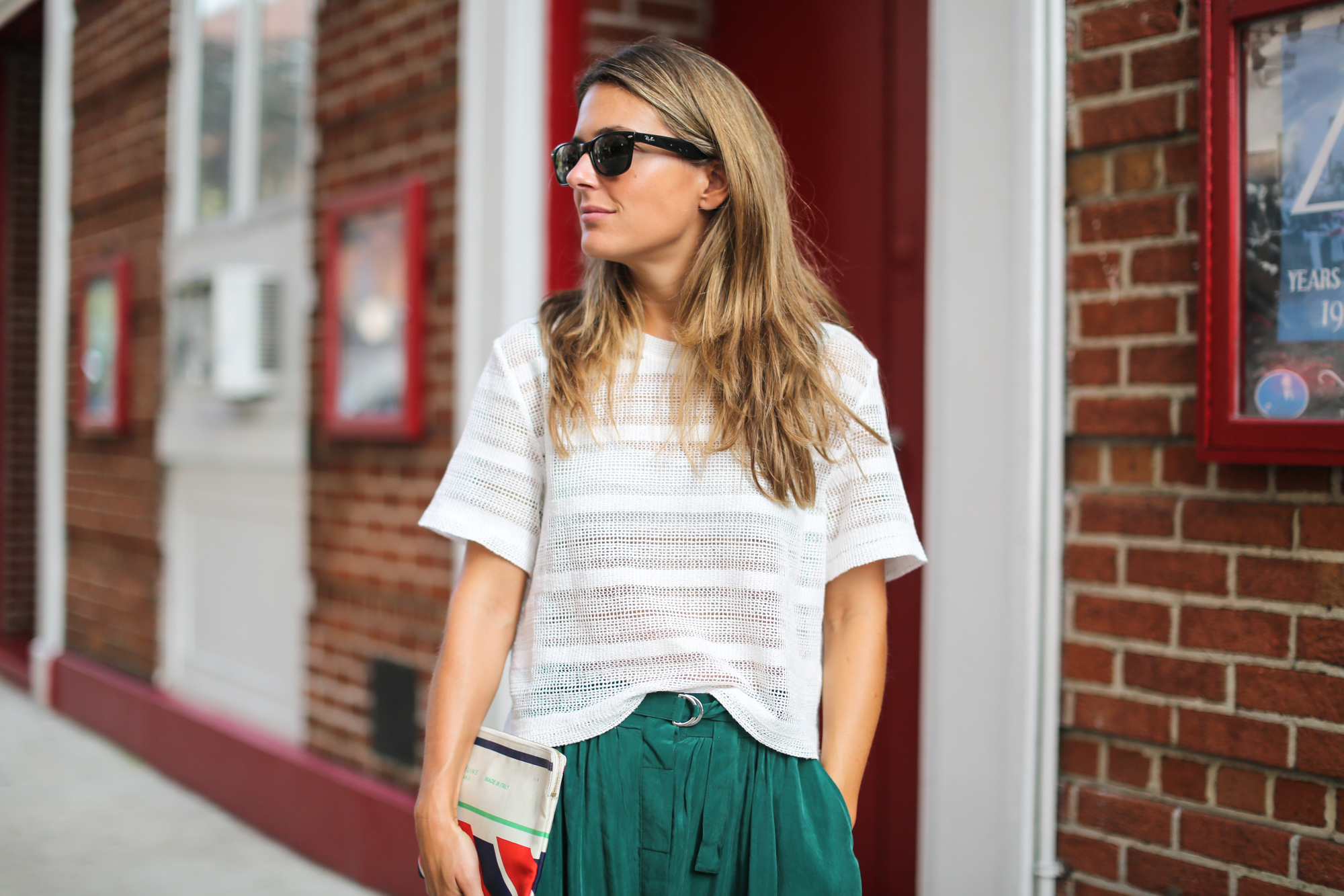 Clochet_streetstyle_newyork_h&m_trend_green_midi_skirt_adidas_stansmith-10