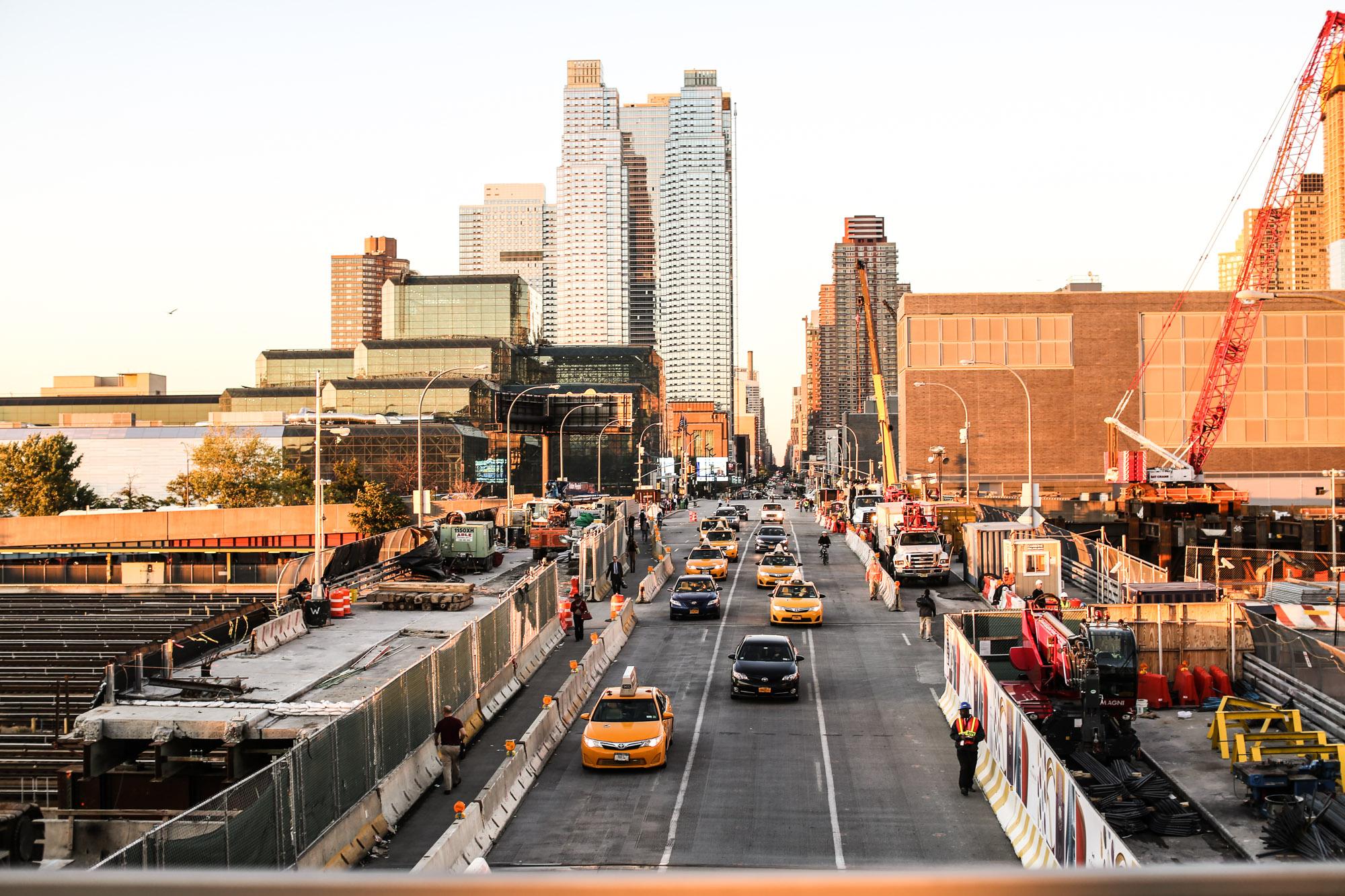 Clochet_streetstyle_nyfw_newyorkfashionweek_zara_floral_jumpsuit_adidas_stansmith-17