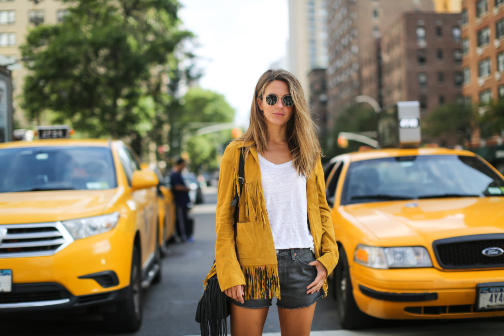 Clochet_streetstyle_suede_fringed_yellow_jacket_levis_501
