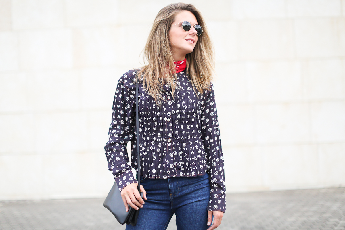 Clochet_streetstyle_isabel_marant_etoile_shirt_cropped_flared_jeans_celine_Trio_bag-3