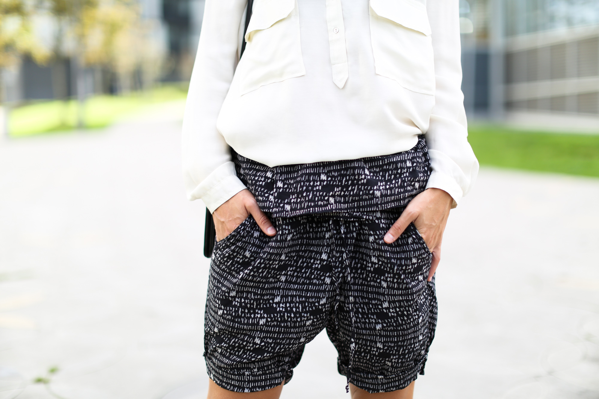 Clochet_streetstyle_theory_shorts_celine_trio_bag-8