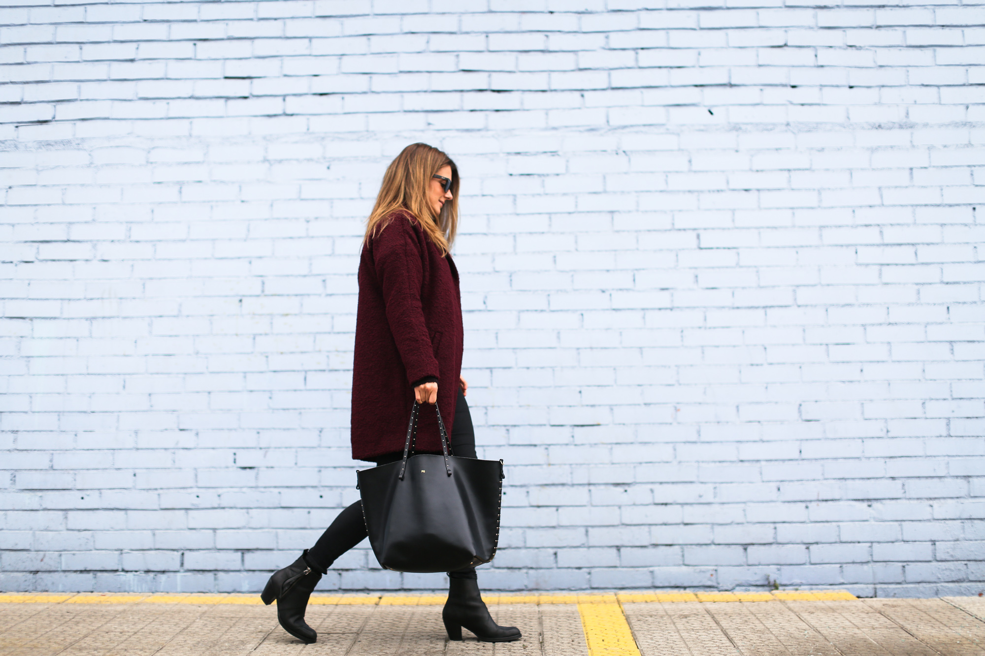 Clochet_streetstyle_burgundy_wool_coat_acne_studios_pistol_boots-6