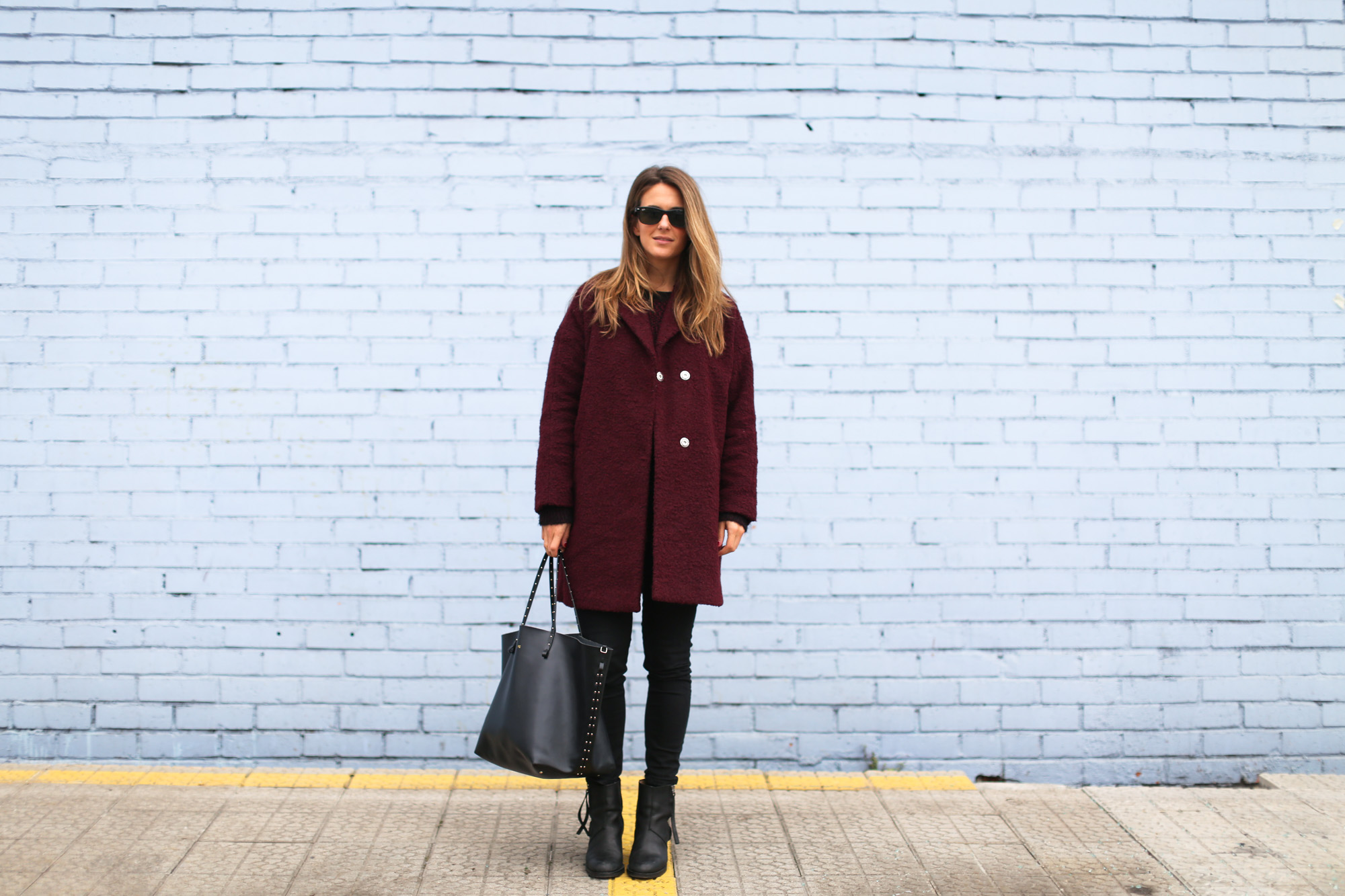 Clochet_streetstyle_burgundy_wool_coat_acne_studios_pistol_boots