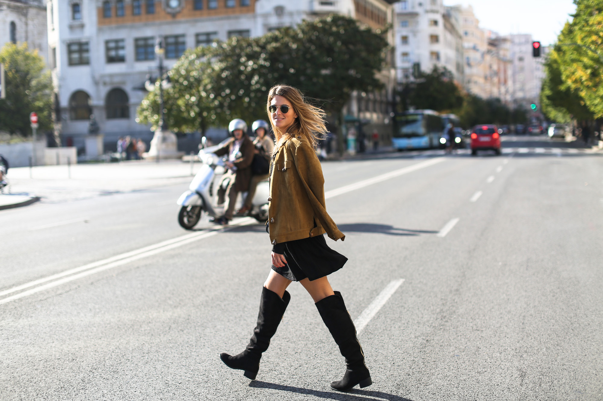 Clochet_streetstyle_suede_ankle_high_boots_boho_minidress-2