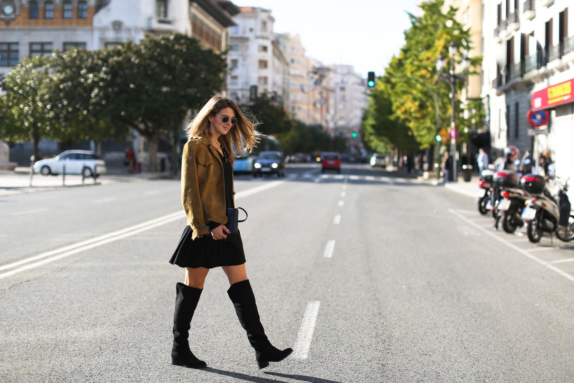 Clochet_streetstyle_suede_ankle_high_boots_boho_minidress-4