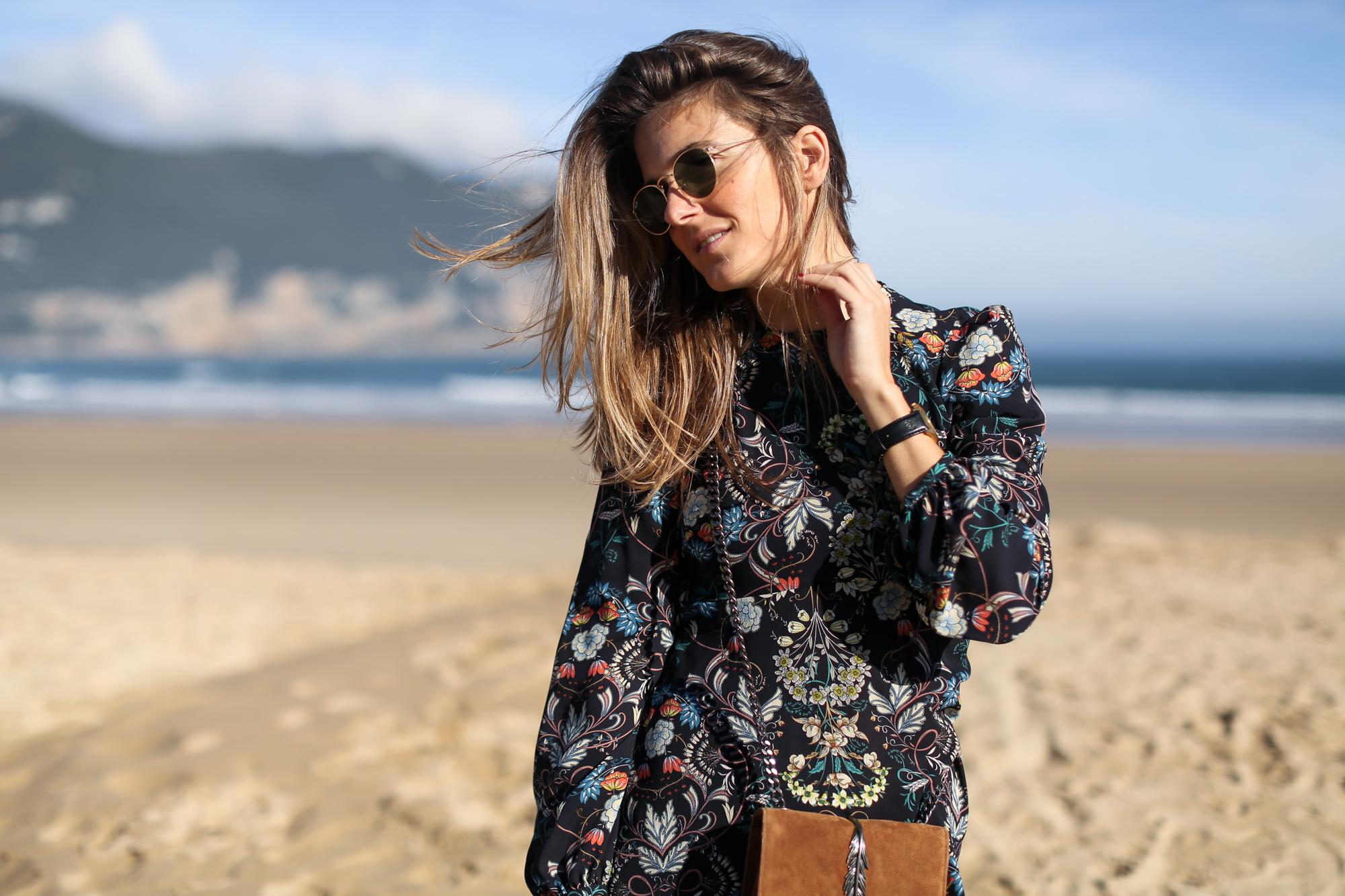 Clochet_streetstyle_zara_flower_print_midi_dress_vintage_suede_jacket-14