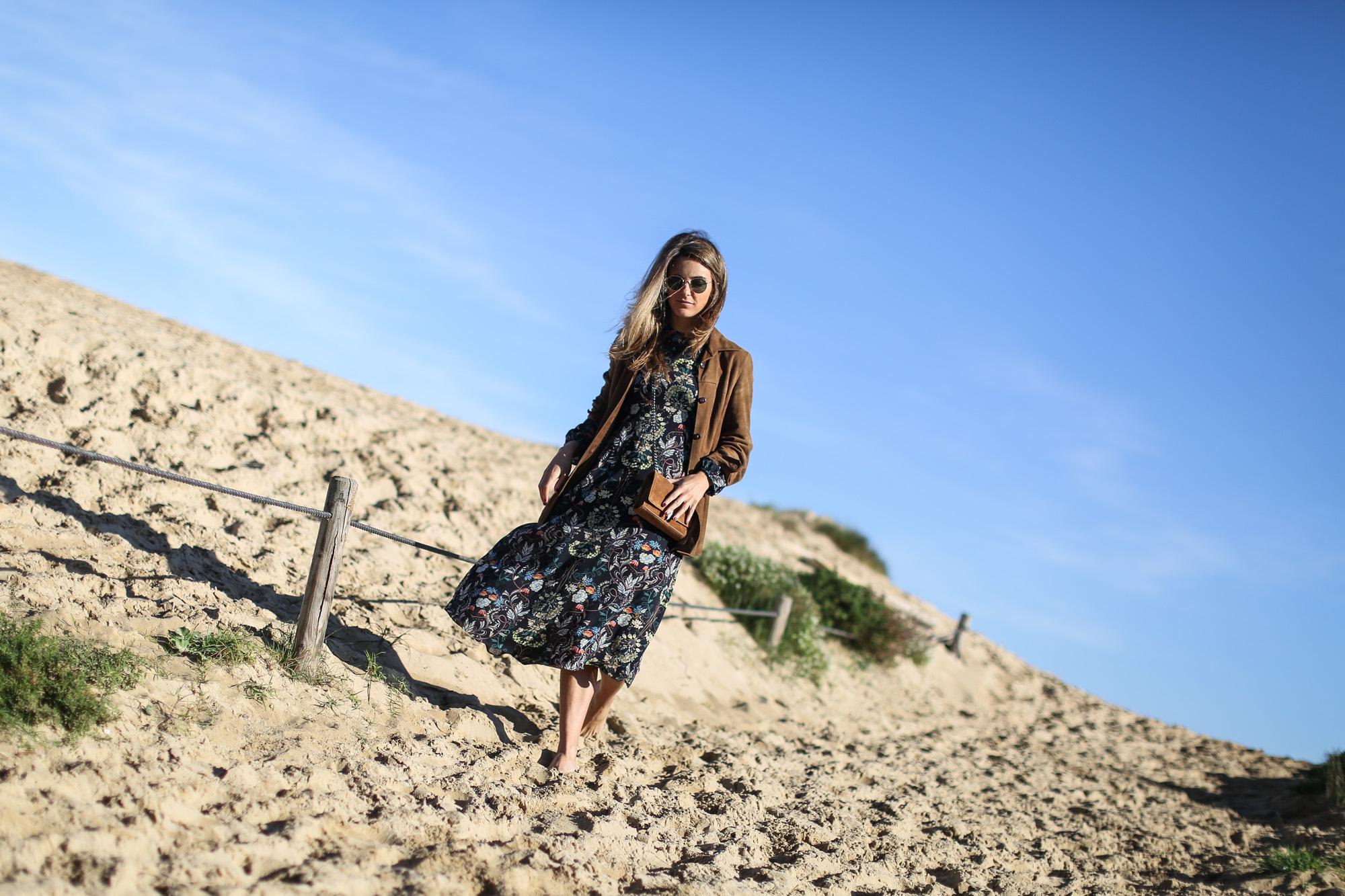 Clochet_streetstyle_zara_flower_print_midi_dress_vintage_suede_jacket-2