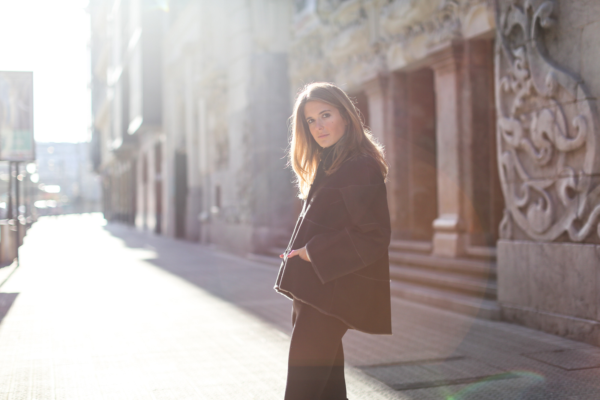 Clochet_streetstyle_cropped_flared_trousers_boxcalf_jacket_kalam_bilbao-16