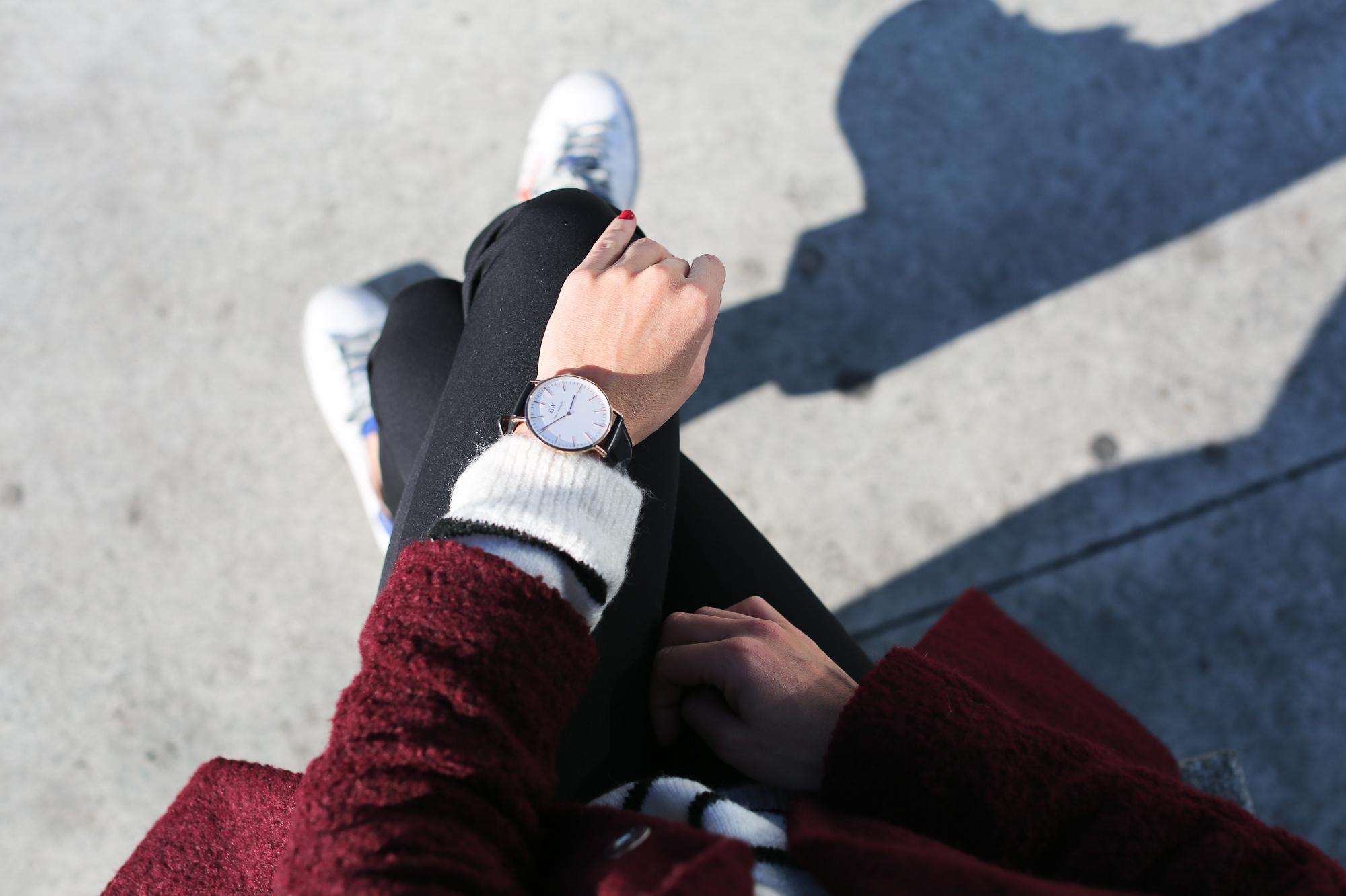 Clochet_streetstyle_golden_goose_deluxe_brand_sneakers_burgundy_coat-11