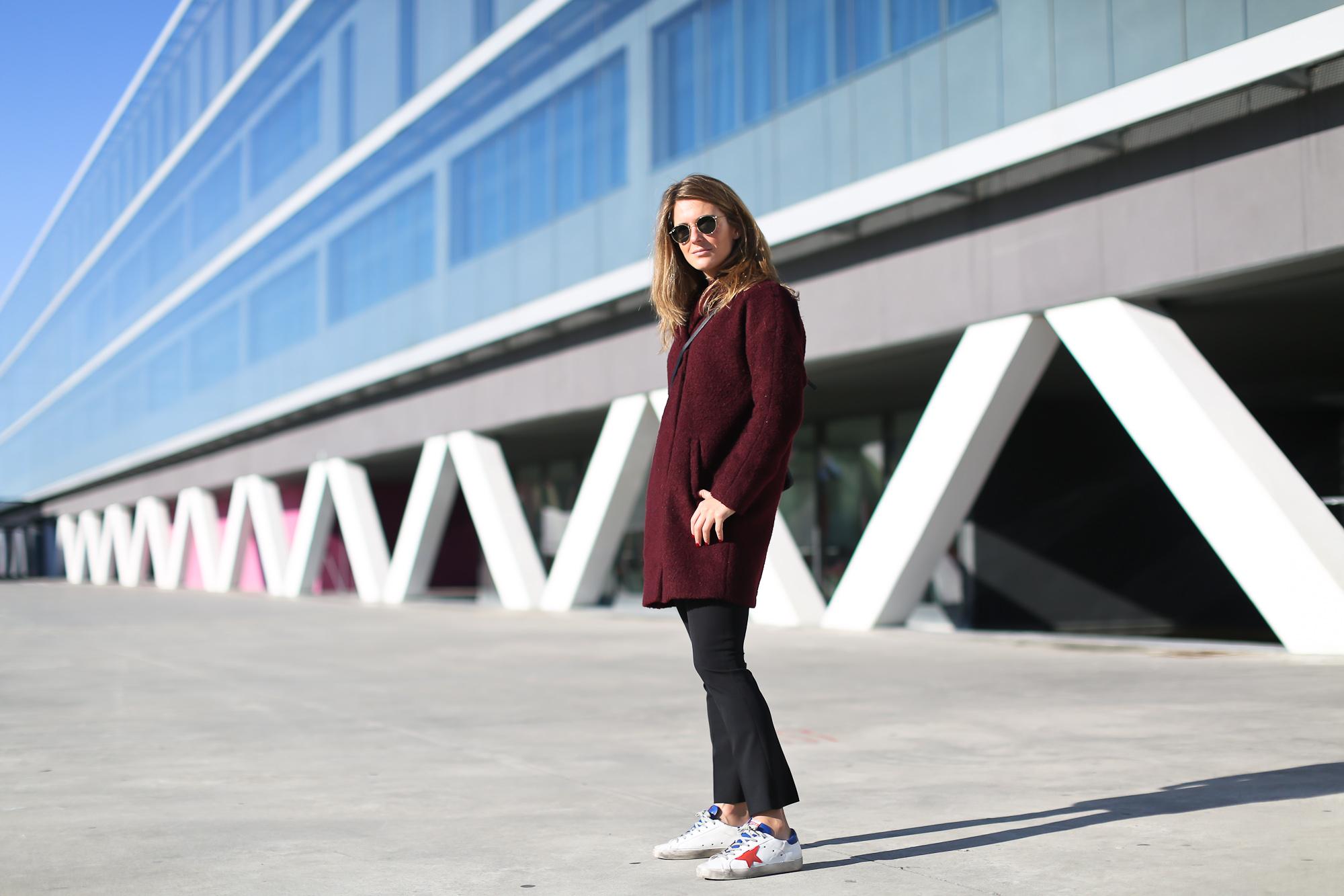 Clochet_streetstyle_golden_goose_deluxe_brand_sneakers_burgundy_coat-2