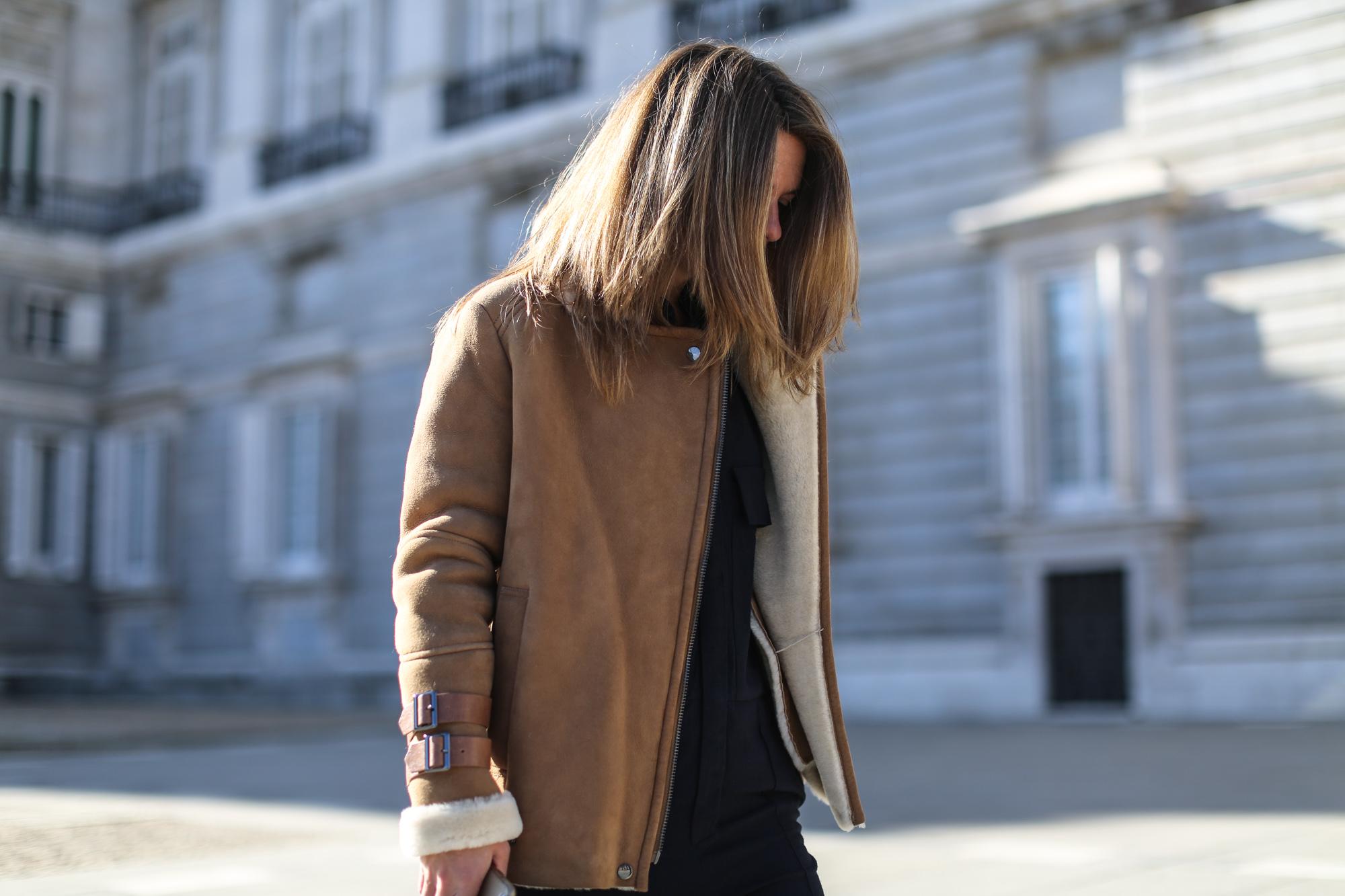 Clochet_streetstyle_mango_suede_leather_aviator_coat_adidas_samba_leztinstreet-18