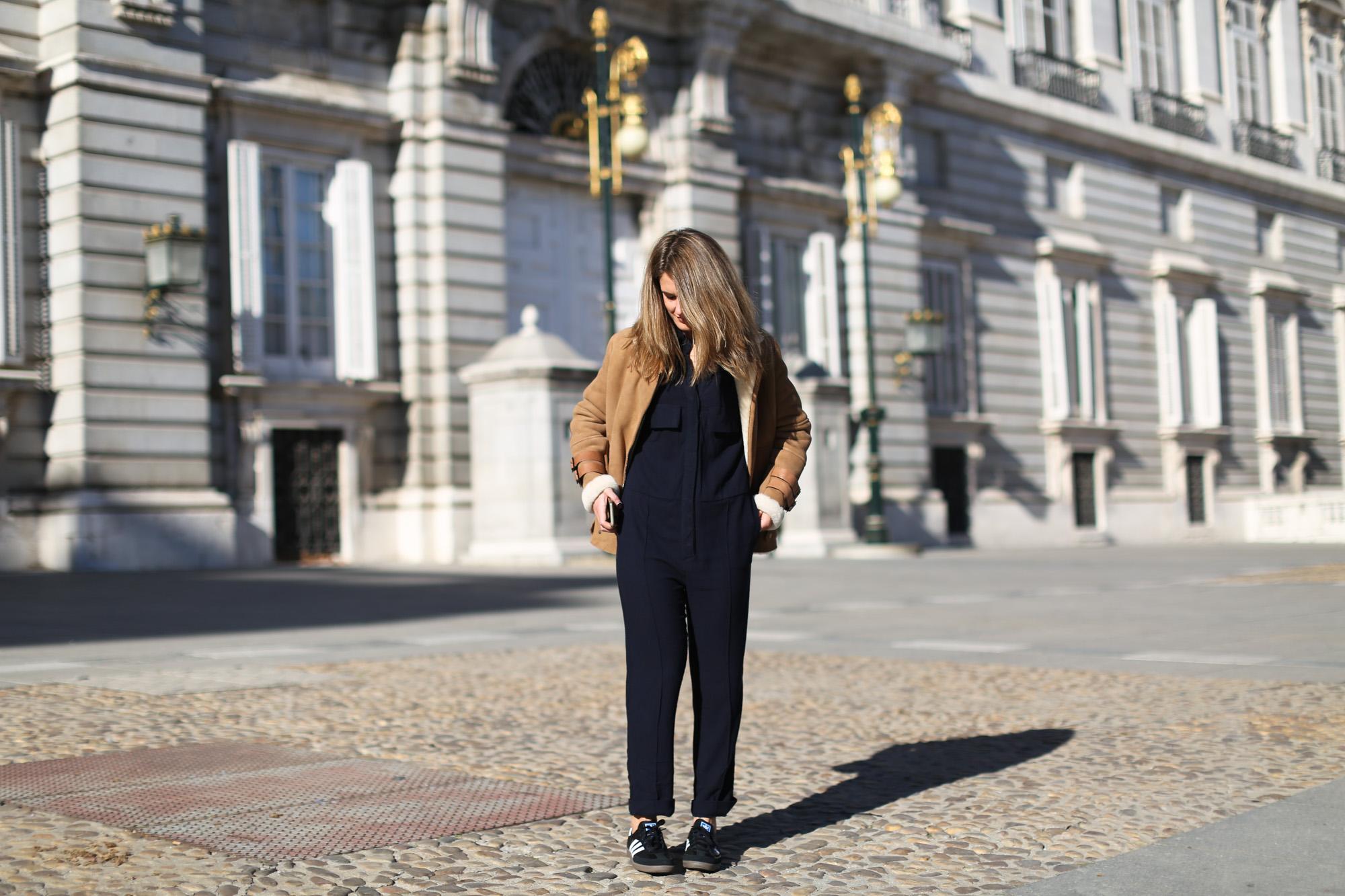 Clochet_streetstyle_mango_suede_leather_aviator_coat_adidas_samba_leztinstreet-3