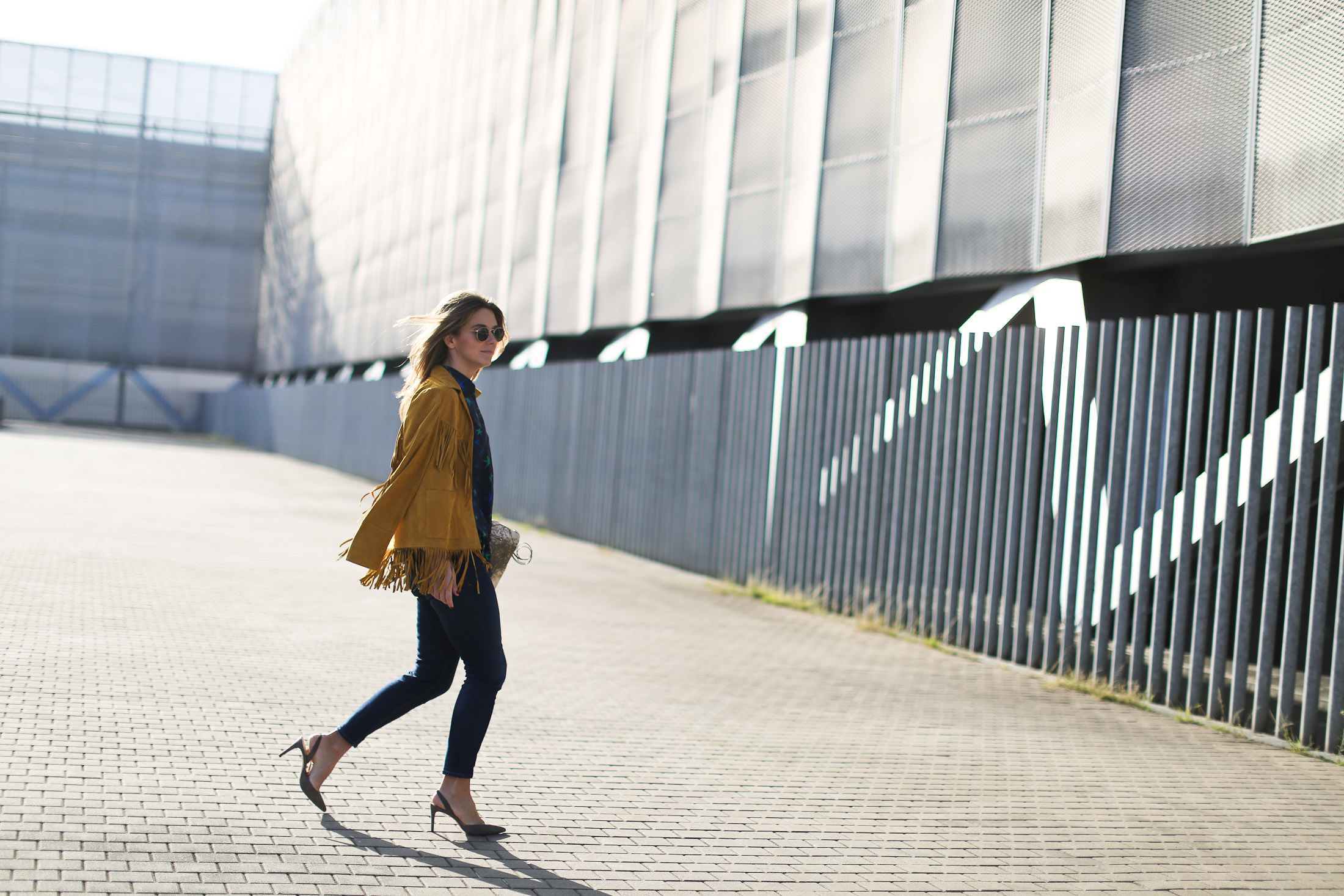 Clochet_streetstyle_zubi_helsinki_clutch_trimmerbilbao_equipment_france_silk_blouse-14