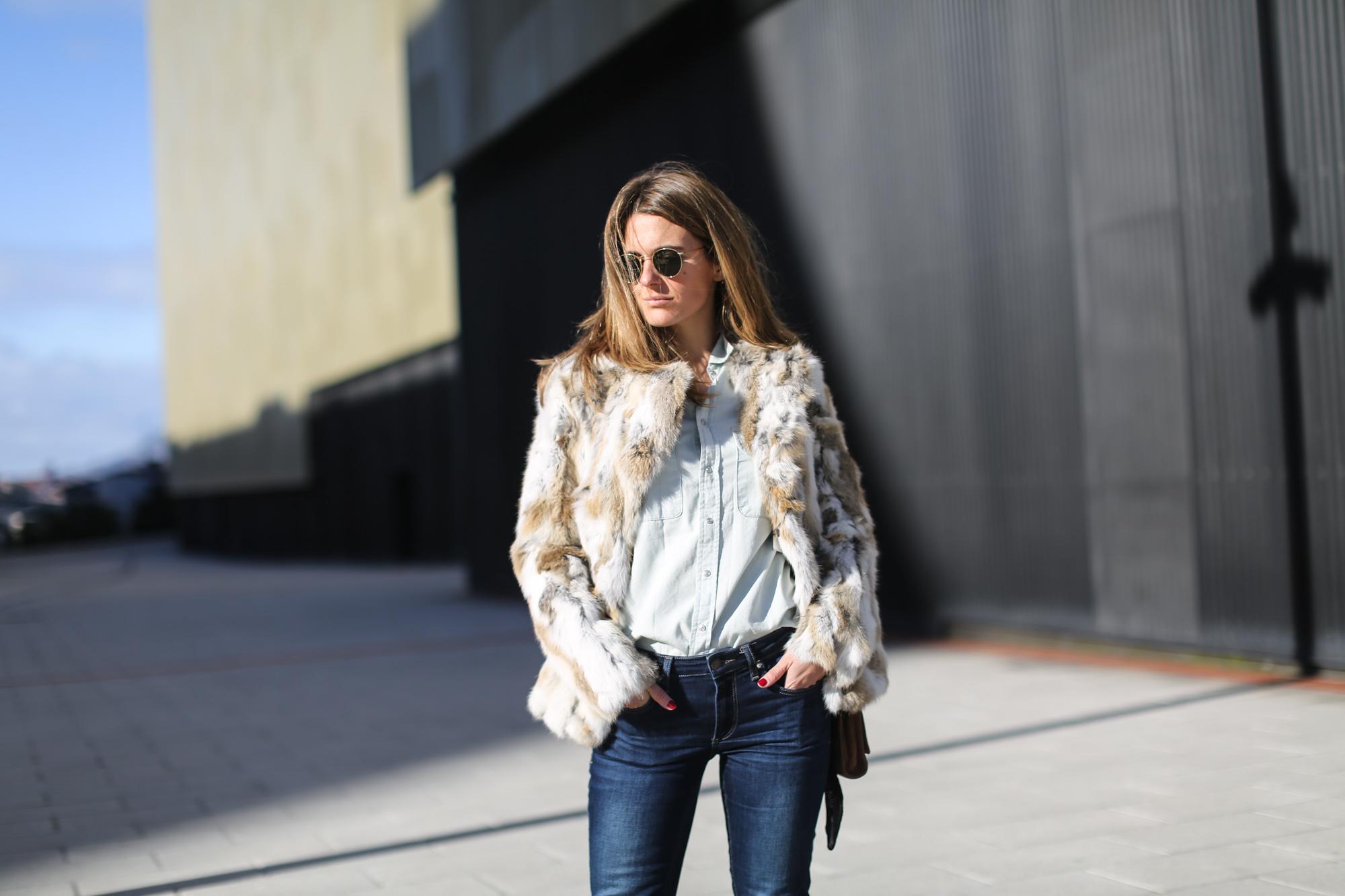Clochet_streetstyle_blanco_fur_jacket_cowboy_boots-7