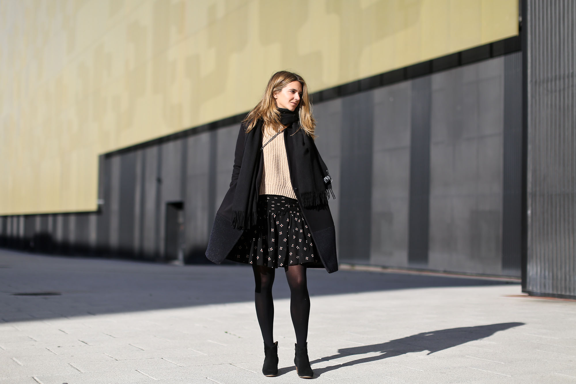 Clochet_streetstyle_majejouetjupe_chicwish_chunky_knit_isable_marant_dicker_boots_-2