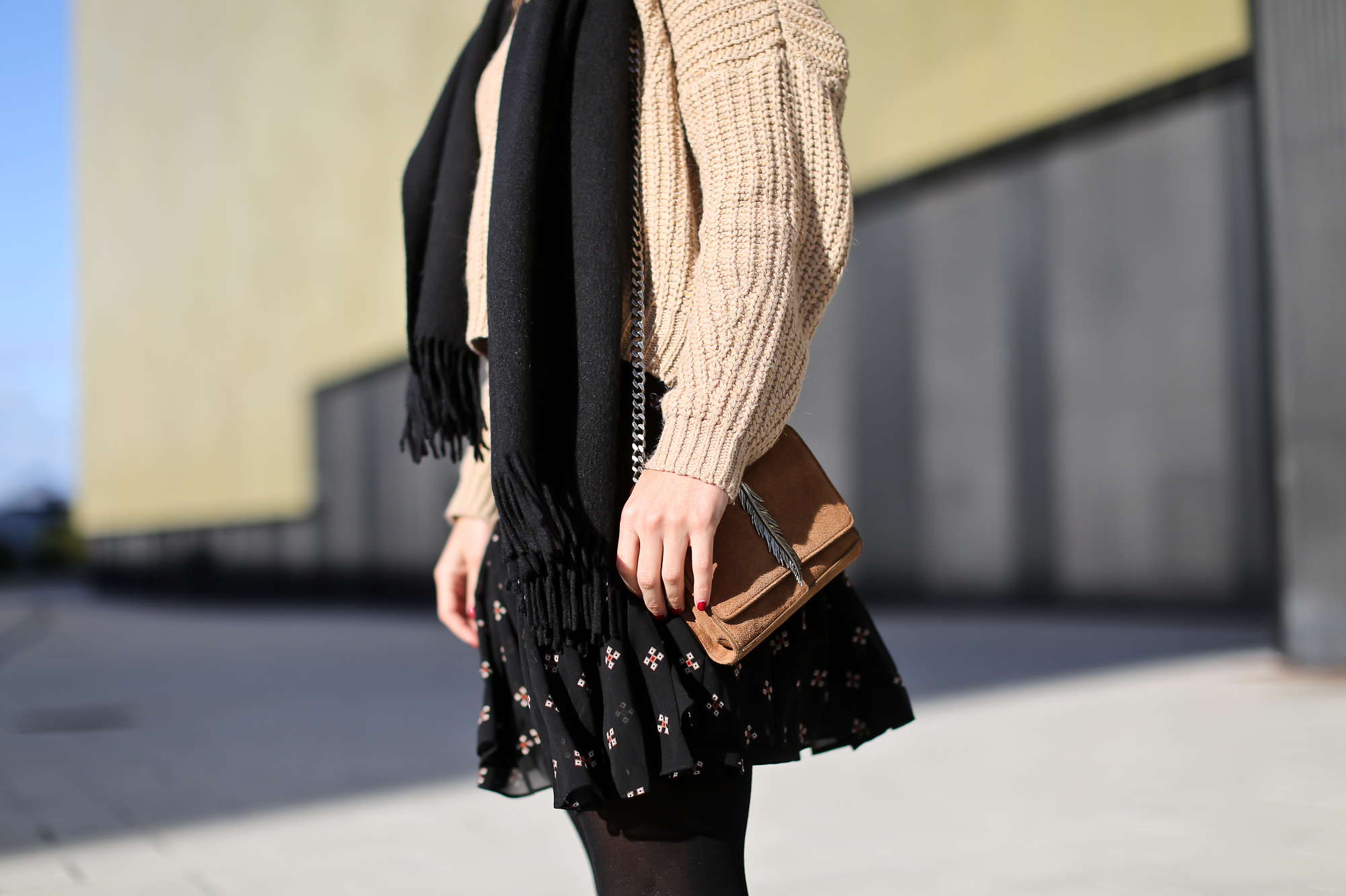 Clochet_streetstyle_majejouetjupe_chicwish_chunky_knit_isable_marant_dicker_boots_-4