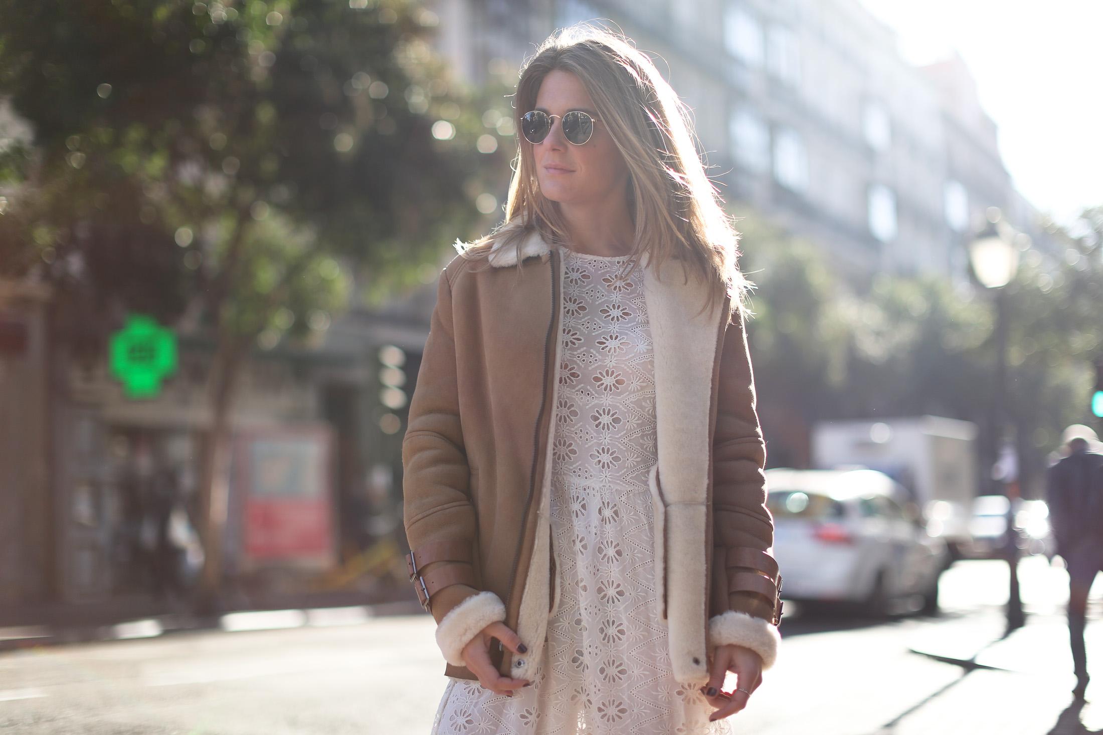 Clochet_streetstyle_mango_shearling_aviator_coat_adidas_samba_leztinstreet-12