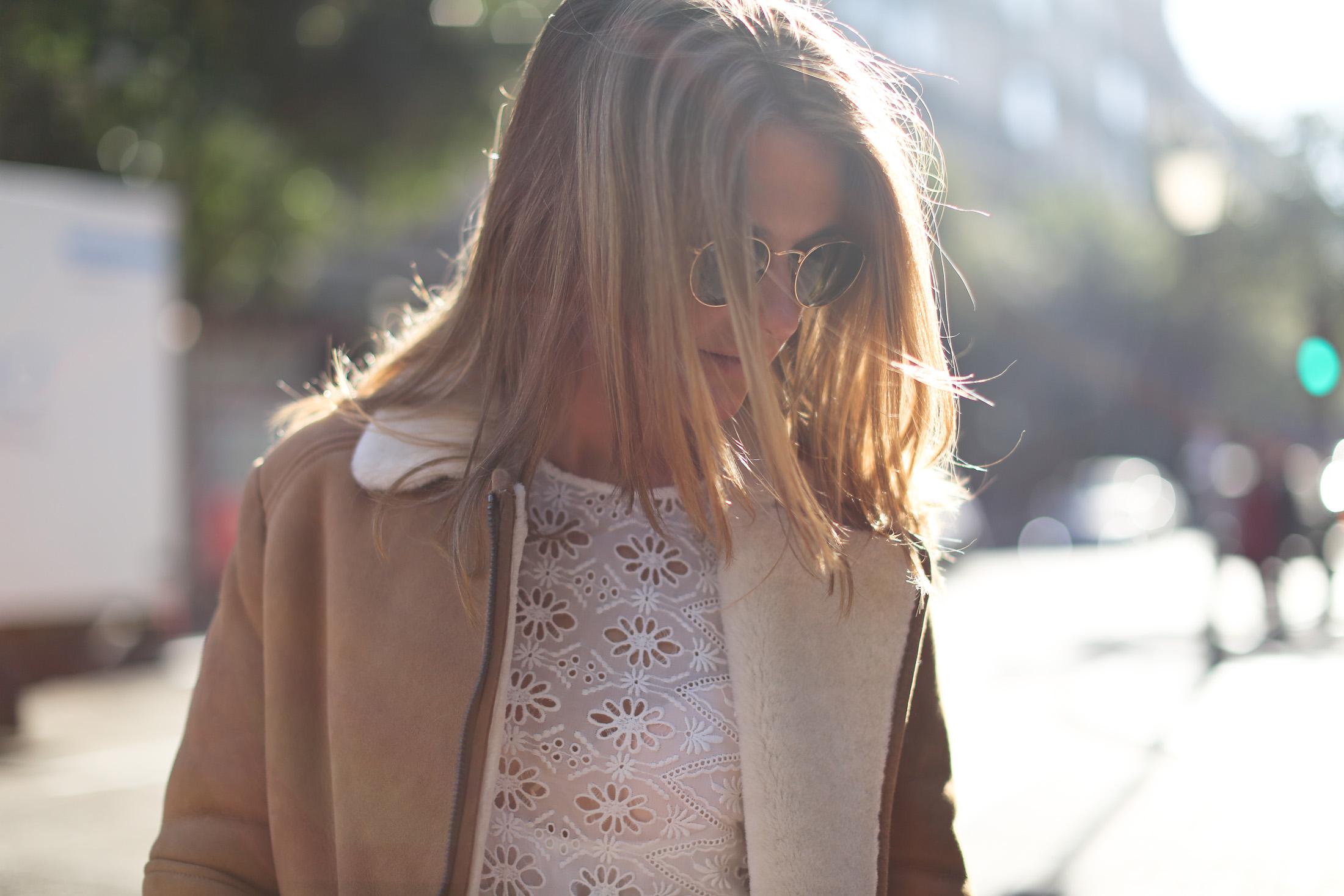 Clochet_streetstyle_mango_shearling_aviator_coat_adidas_samba_leztinstreet-13