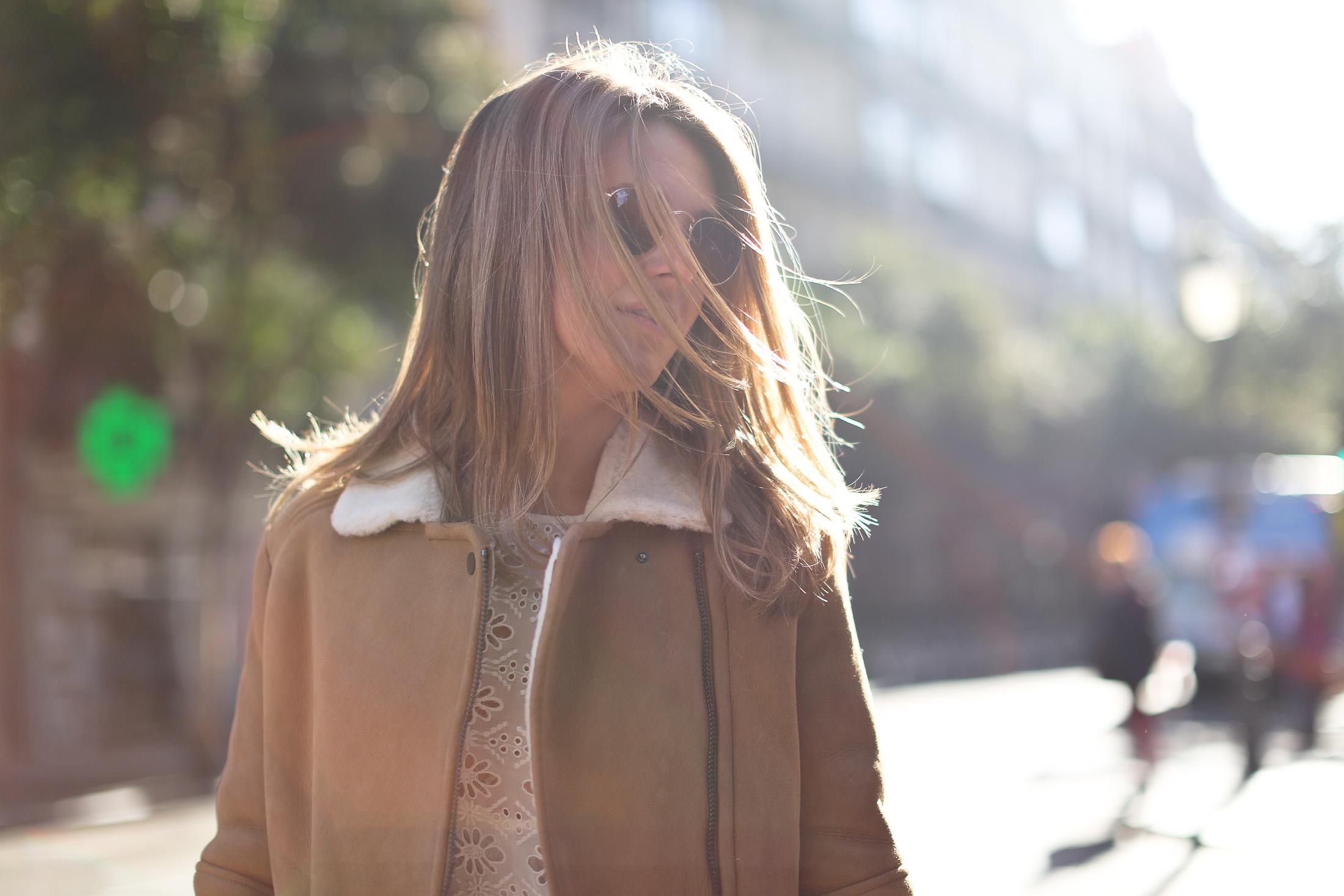 Clochet_streetstyle_mango_shearling_aviator_coat_adidas_samba_leztinstreet-15