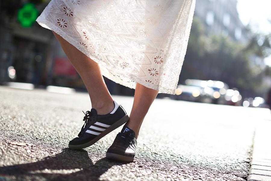Clochet_streetstyle_mango_shearling_aviator_coat_adidas_samba_leztinstreet-16