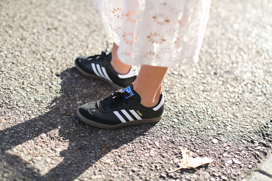 Clochet_streetstyle_mango_shearling_aviator_coat_adidas_samba_leztinstreet-17