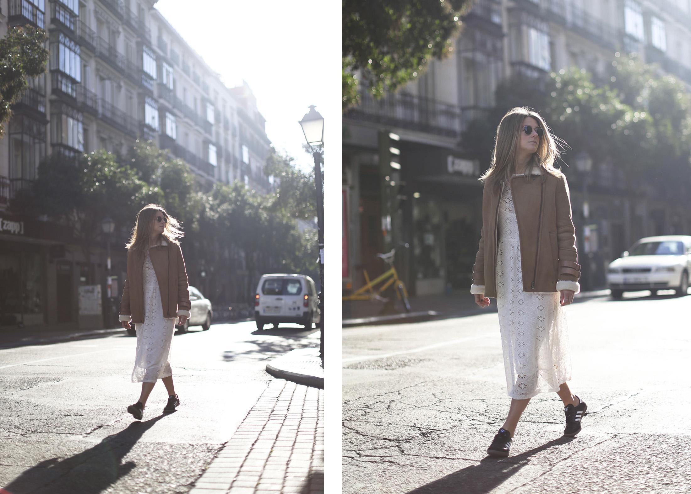 Clochet_streetstyle_mango_shearling_aviator_coat_adidas_samba_leztinstreet-18
