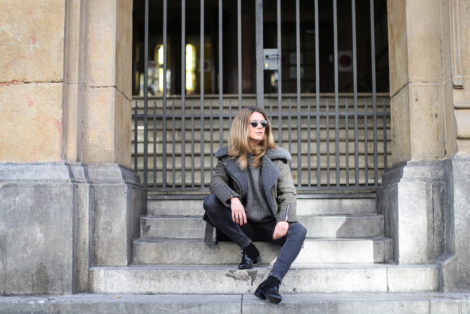 Clochet_streetstyle_olive_clothing_oversize_rider_kakhi_jacket-11